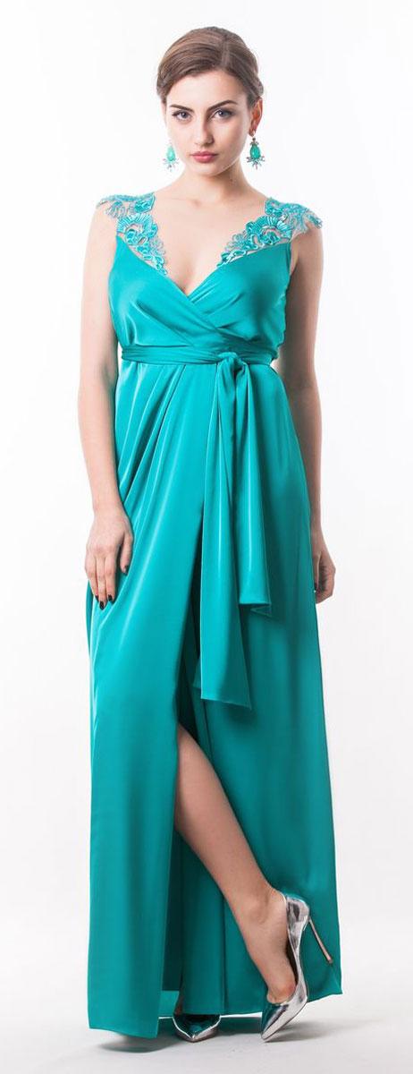 Платье Seam, цвет: светло-бирюзовый. 4440_801. Размер M (46)4440_801Стильное платье Seam выполнено из полиэстера с добавлением спандекса. Двойное платье-макси с запахом по талии дополнено поясом которым можно завязать оригинальным бантом спереди или сзади. Лиф модели дополнен вставками из сетчатого материала и оформлен вышитыми цветами расшитыми бисером.