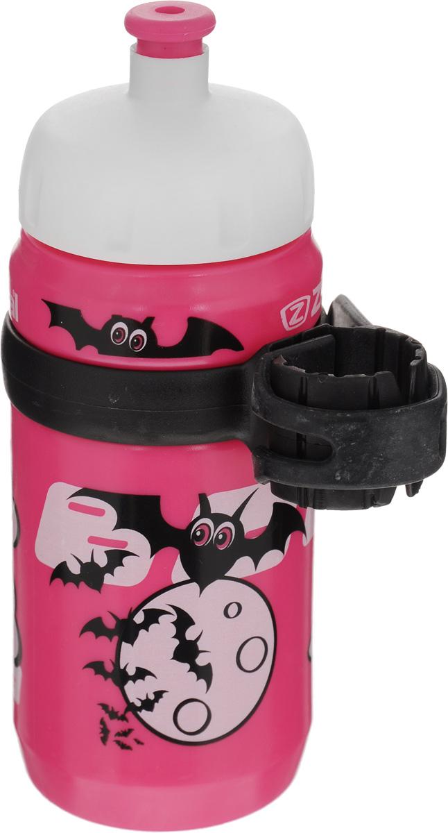 """Велосипедная фляга для детей Zefal """"Little Z"""" изготовлена из пищевого пластика (без использования бисфенола и ПВХ). Внешние стенки изделия декорированы рисунком в виде привидения с сердечками и летучих мышей. Фляга снабжена специальным клапаном для удобного питья. Винтовая крышка с легкостью откручивается, а широкое горлышко позволяет аккуратно наполнять фляжку. Фляга снабжена специальным держателем для крепления к велосипеду. Высота фляги: 15,8 см."""
