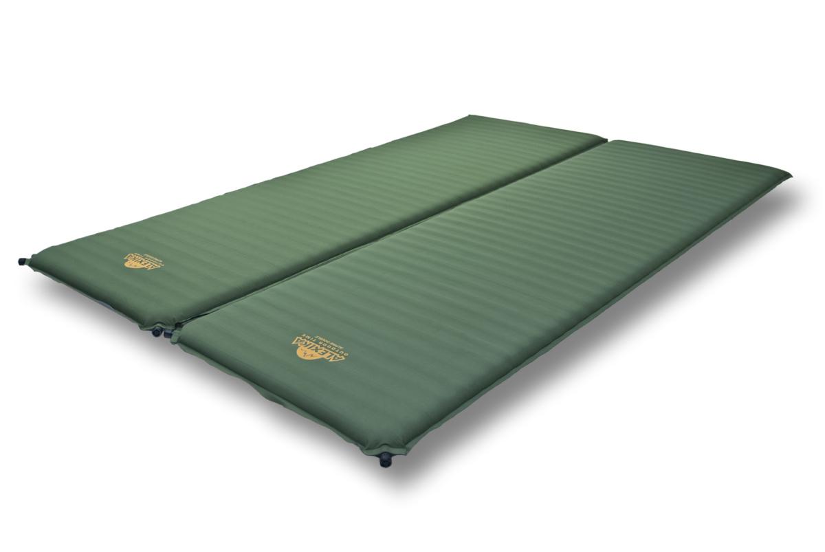 Коврик самонадувающийся Alexika Double Comfort, цвет: зеленый. 9354.75919354.7591Cамонадувающийся коврик увеличенного размера для семейного туризма. Большая, чрезвычайно комфортная двухспальная кровать для выездов на природу. Велюровое покрытие приятно на ощупь и уменьшает скольжение спальников по коврику. Коврики соединены липучкой Veclro, что позволяет использовать их как совместно, так и отдельно друг от друга. Самонадувающийся коврик Alexika Double Comfort - ваш максимальный комфорт для семейного отдыха. Внимание! Во время первого использования коврик необходимо надуть самостоятельно. При дальнейшем использовании коврик будет надуваться сам после открытия клапана.