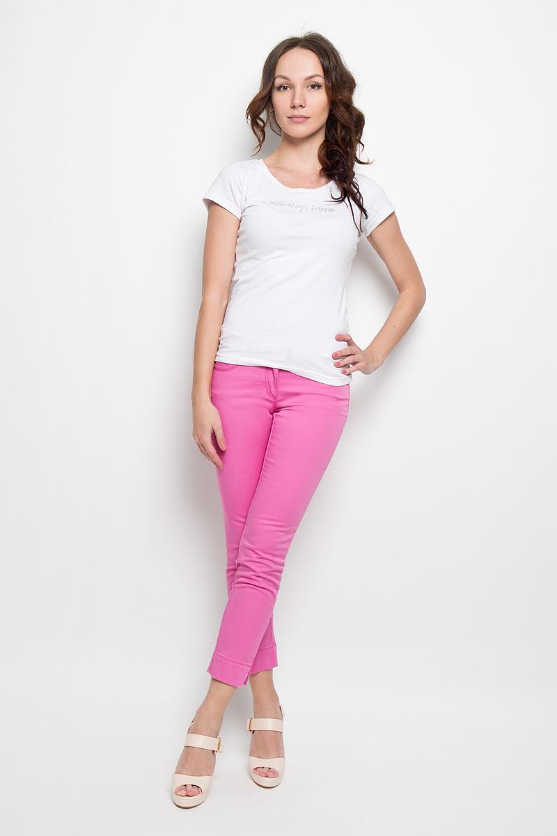 Брюки женские U.S. Polo Assn., цвет: розовый. G082SZ078CECALIMA6Y-ING_MR0180. Размер 40 (46)G082SZ078CECALIMA6Y-ING_MR0180Яркие и стильные женские брюки U.S. Polo Assn. станут отличным дополнением к вашему гардеробу. Изготовленные из эластичного хлопка, они тактильно приятные, не сковывают движения и позволяют коже дышать.Брюки-слим на поясе застегиваются на металлическую пуговицу и имеют ширинку на застежке-молнии, а также шлевки для ремня. На модели предусмотрен текстильный принтованный пояс с металлической пряжкой. Спереди расположены два втачных кармана и один маленький накладной, сзади - два накладных кармана. Снизу брючин имеются небольшие разрезы. Изделие украшено вышитым логотипом бренда и металлическими клепками.Обладательница таких брюк всегда будет в центре внимания!
