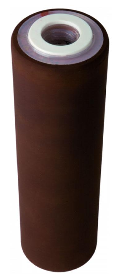 """Картридж Арагон """"ЕЖ"""" подходит для корпусов евростандарта 10 SL и 20 SL. Фильтроматериал изготовлен по специальной технологии из уникального микропористого ионообменного полимера с бактериостатической добавкой серебра. Картридж предназначен для очистки холодной и горячей жесткой воды от железа и ржавчины, солей жесткости, тяжелых металлов и радионуклидов, хлора, бактерий, органических и хлорорганических соединений, мутности. Преимущества картриджа: - комплексная очистка воды одним картриджем, - квазиумягчение - полезная форма кальция и отсутствие накипи, - бактериостатический эффект - ионы серебра в составе картриджа блокируют размножение бактерий, - антисброс - все отфильтрованные примеси надежно задерживаются в структуре картриджа, - самоиндикация - если напор воды уменьшается, то это сигнал к замене картриджа, - регенерация - восстановление свойств картриджа в домашних условиях, - минерализация - насыщение воды полезными минералами (для мягкой воды)."""