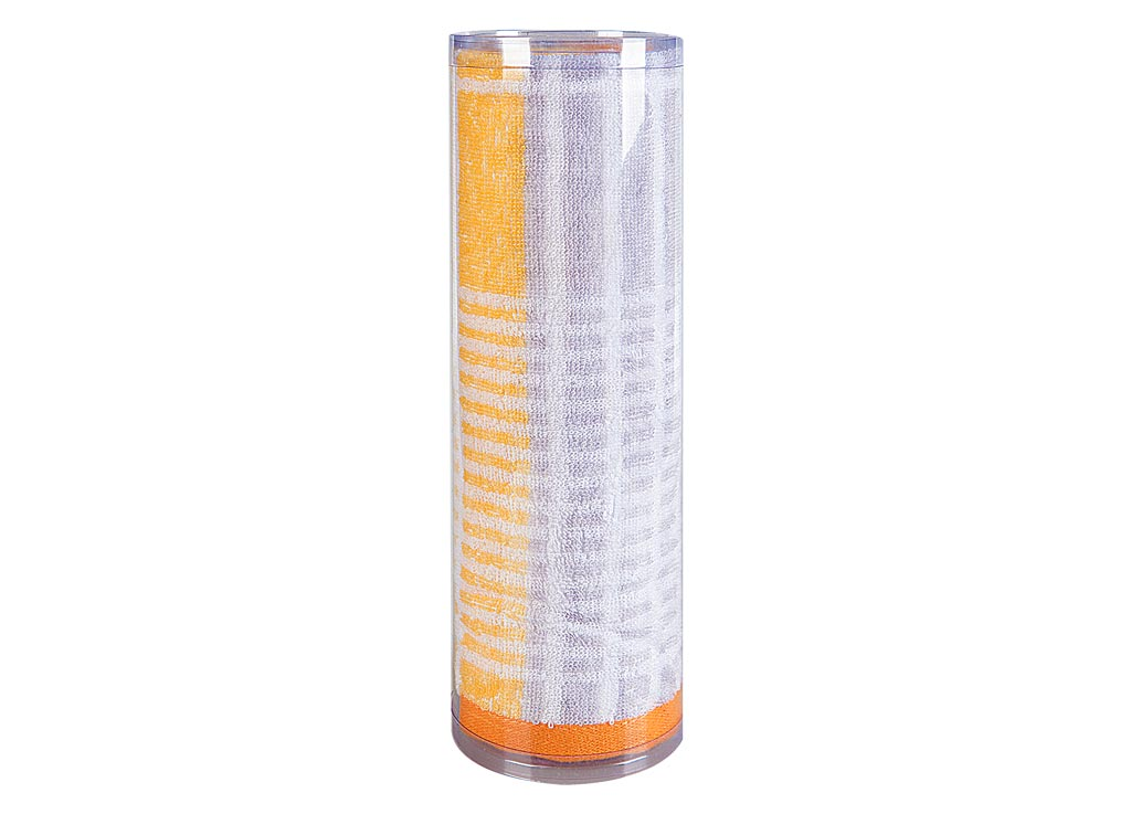 Полотенце махровое Soavita Твист, цвет: оранжевый, 50 х 90 см82744Махровое полотно создается из хлопковых нитей, которые, в свою очередь, прядутся из множества хлопковых волокон. Чем длиннее эти волокна, тем прочнее будет нить, и, соответственно, изделие. Длина составляющих хлопковую нить волокон влияет и на фактуру получаемой ткани: чем они длиннее, тем мягче и пушистее получится махровое изделие, тем лучше будет впитывать изделие воду. Хотя на впитывающие качество махры – ее гигроскопичность, не в последнюю очередь влияет состав волокна. Мягкая махровая ткань отлично впитывает влагу и быстро сохнет. Soavita – это популярный бренд домашнего текстиля. Дизайнерская студия этой фирмы находится во Флоренции, Италия. Производство перенесено в Китай, чтобы сделать продукцию более доступной для покупателей. Таким образом, вы имеете возможность покупать продукцию европейского качества совсем не дорого. Домашний текстиль прослужит вам долго: все детали качественно прошиты, ткани очень плотные, рисунок наносится безопасными для здоровья красителями, не линяет и держится много лет. Все изделия упакованы в подарочные упаковки.