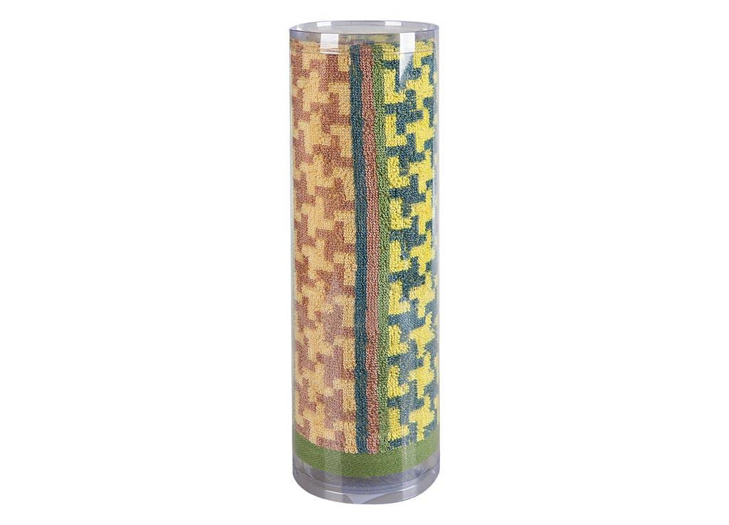 Полотенце махровое Soavita Азарт, цвет: зеленый, 50 х 90 см82746Махровое полотно создается из хлопковых нитей, которые, в свою очередь, прядутся из множества хлопковых волокон. Чем длиннее эти волокна, тем прочнее будет нить, и, соответственно, изделие. Длина составляющих хлопковую нить волокон влияет и на фактуру получаемой ткани: чем они длиннее, тем мягче и пушистее получится махровое изделие, тем лучше будет впитывать изделие воду. Хотя на впитывающие качество махры – ее гигроскопичность, не в последнюю очередь влияет состав волокна. Мягкая махровая ткань отлично впитывает влагу и быстро сохнет. Soavita – это популярный бренд домашнего текстиля. Дизайнерская студия этой фирмы находится во Флоренции, Италия. Производство перенесено в Китай, чтобы сделать продукцию более доступной для покупателей. Таким образом, вы имеете возможность покупать продукцию европейского качества совсем не дорого. Домашний текстиль прослужит вам долго: все детали качественно прошиты, ткани очень плотные, рисунок наносится безопасными для здоровья красителями, не линяет и держится много лет. Все изделия упакованы в подарочные упаковки.