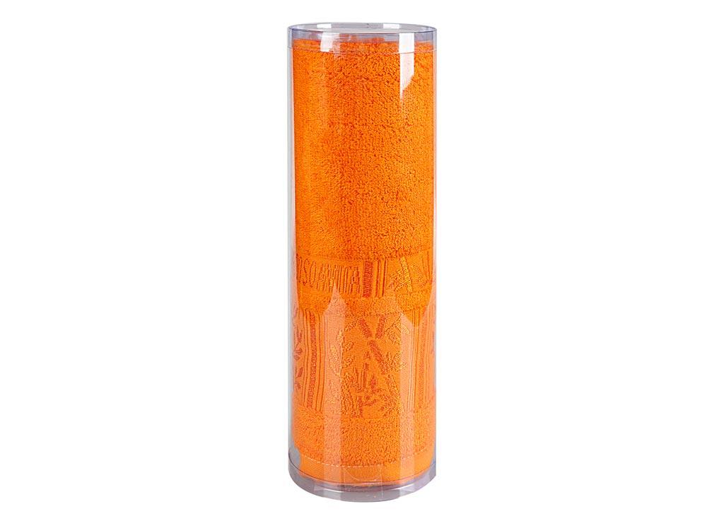 Полотенце махровое Soavita Sofia, цвет: оранжевый, 50 х 90 см82761Махровое полотно создается из хлопковых нитей, которые, в свою очередь, прядутся из множества хлопковых волокон. Чем длиннее эти волокна, тем прочнее будет нить, и, соответственно, изделие. Длина составляющих хлопковую нить волокон влияет и на фактуру получаемой ткани: чем они длиннее, тем мягче и пушистее получится махровое изделие, тем лучше будет впитывать изделие воду. Хотя на впитывающие качество махры – ее гигроскопичность, не в последнюю очередь влияет состав волокна. Мягкая махровая ткань отлично впитывает влагу и быстро сохнет.Soavita – это популярный бренд домашнего текстиля. Дизайнерская студия этой фирмы находится во Флоренции, Италия. Производство перенесено в Китай, чтобы сделать продукцию более доступной для покупателей. Таким образом, вы имеете возможность покупать продукцию европейского качества совсем не дорого. Домашний текстиль прослужит вам долго: все детали качественно прошиты, ткани очень плотные, рисунок наносится безопасными для здоровья красителями, не линяет и держится много лет. Все изделия упакованы в подарочные упаковки.