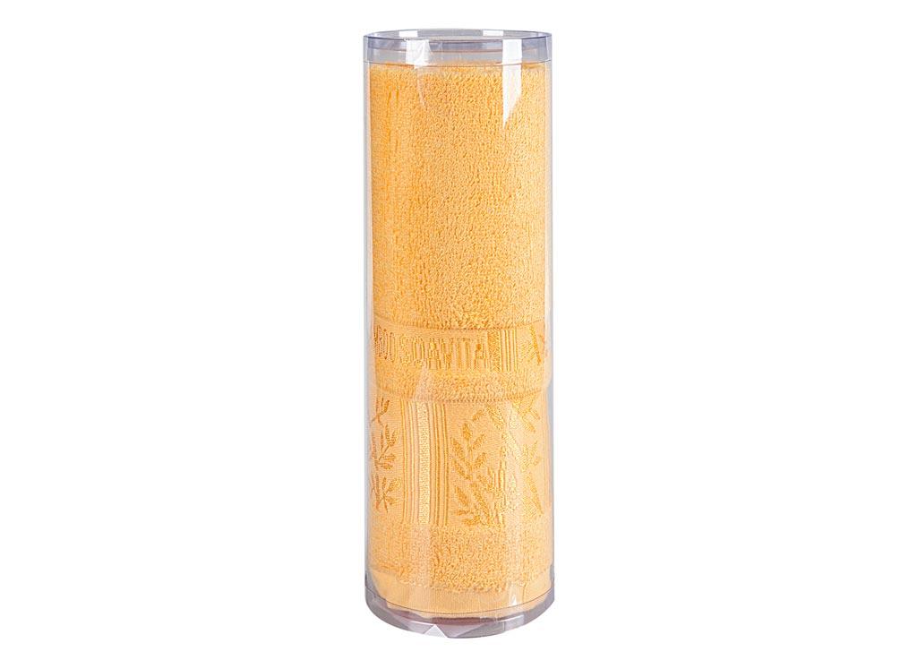 Полотенце махровое Soavita Sofia, цвет: желтый, 50 х 90 см82765Махровое полотно создается из хлопковых нитей, которые, в свою очередь, прядутся из множества хлопковых волокон. Чем длиннее эти волокна, тем прочнее будет нить, и, соответственно, изделие. Длина составляющих хлопковую нить волокон влияет и на фактуру получаемой ткани: чем они длиннее, тем мягче и пушистее получится махровое изделие, тем лучше будет впитывать изделие воду. Хотя на впитывающие качество махры – ее гигроскопичность, не в последнюю очередь влияет состав волокна. Мягкая махровая ткань отлично впитывает влагу и быстро сохнет. Soavita – это популярный бренд домашнего текстиля. Дизайнерская студия этой фирмы находится во Флоренции, Италия. Производство перенесено в Китай, чтобы сделать продукцию более доступной для покупателей. Таким образом, вы имеете возможность покупать продукцию европейского качества совсем не дорого. Домашний текстиль прослужит вам долго: все детали качественно прошиты, ткани очень плотные, рисунок наносится безопасными для здоровья красителями, не линяет и держится много лет. Все изделия упакованы в подарочные упаковки.