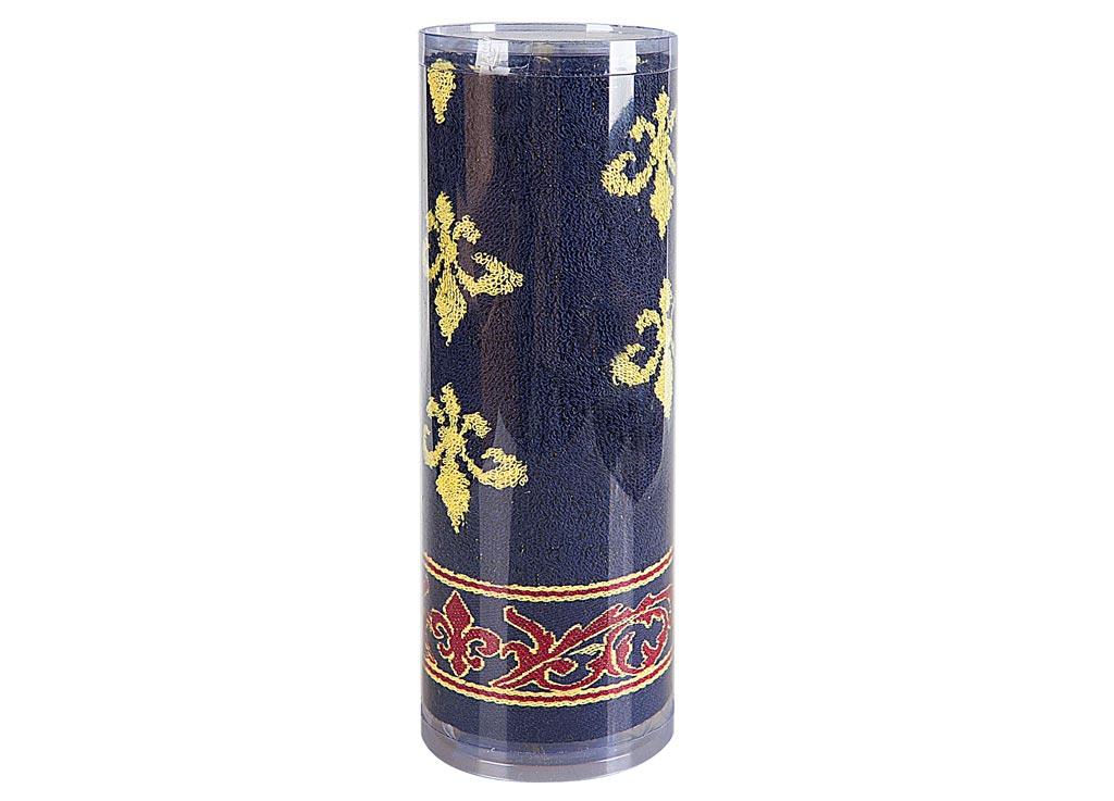 Полотенце Soavita Вензель, цвет: синий, 65 х 130 см82979Махровое полотенце Soavita Вензель выполнено из хлопка.Полотенца используются для протирки различныхповерхностей, также широко применяются в быту. Такой набор станет отличным вариантом для практичной исовременной хозяйки. Махровое полотно создается из хлопковых нитей, которые, в свою очередь,прядутся из множества хлопковых волокон. Чем длиннее эти волокна, темпрочнее будет нить, и, соответственно, изделие. Длина составляющиххлопковую нить волокон влияет и на фактуру получаемой ткани: чем онидлиннее, тем мягче и пушистее получится махровое изделие, тем лучше будетвпитывать изделие воду. Хотя на впитывающие качество махры - еегигроскопичность, не в последнюю очередь влияет состав волокна. Мягкаямахровая ткань отлично впитывает влагу и быстро сохнет. Размер полотенца: 65 х 130 см.