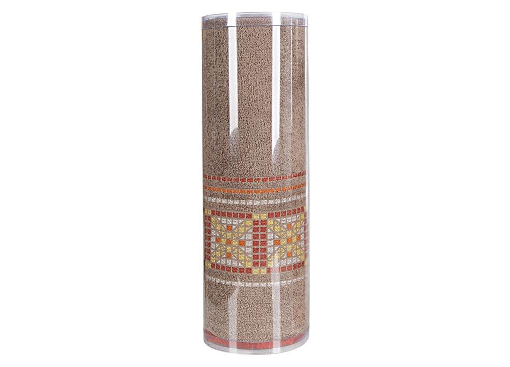 Полотенце махровое Soavita Eo. Star, цвет: светло-коричневый, 70 х 140 см83074Махровое полотно создается из хлопковых нитей, которые, в свою очередь, прядутся из множества хлопковых волокон. Чем длиннее эти волокна, тем прочнее будет нить, и, соответственно, изделие. Длина составляющих хлопковую нить волокон влияет и на фактуру получаемой ткани: чем они длиннее, тем мягче и пушистее получится махровое изделие, тем лучше будет впитывать изделие воду. Хотя на впитывающие качество махры – ее гигроскопичность, не в последнюю очередь влияет состав волокна. Мягкая махровая ткань отлично впитывает влагу и быстро сохнет. Soavita – это популярный бренд домашнего текстиля. Дизайнерская студия этой фирмы находится во Флоренции, Италия. Производство перенесено в Китай, чтобы сделать продукцию более доступной для покупателей. Таким образом, вы имеете возможность покупать продукцию европейского качества совсем не дорого. Домашний текстиль прослужит вам долго: все детали качественно прошиты, ткани очень плотные, рисунок наносится безопасными для здоровья красителями, не линяет и держится много лет. Все изделия упакованы в подарочные упаковки.