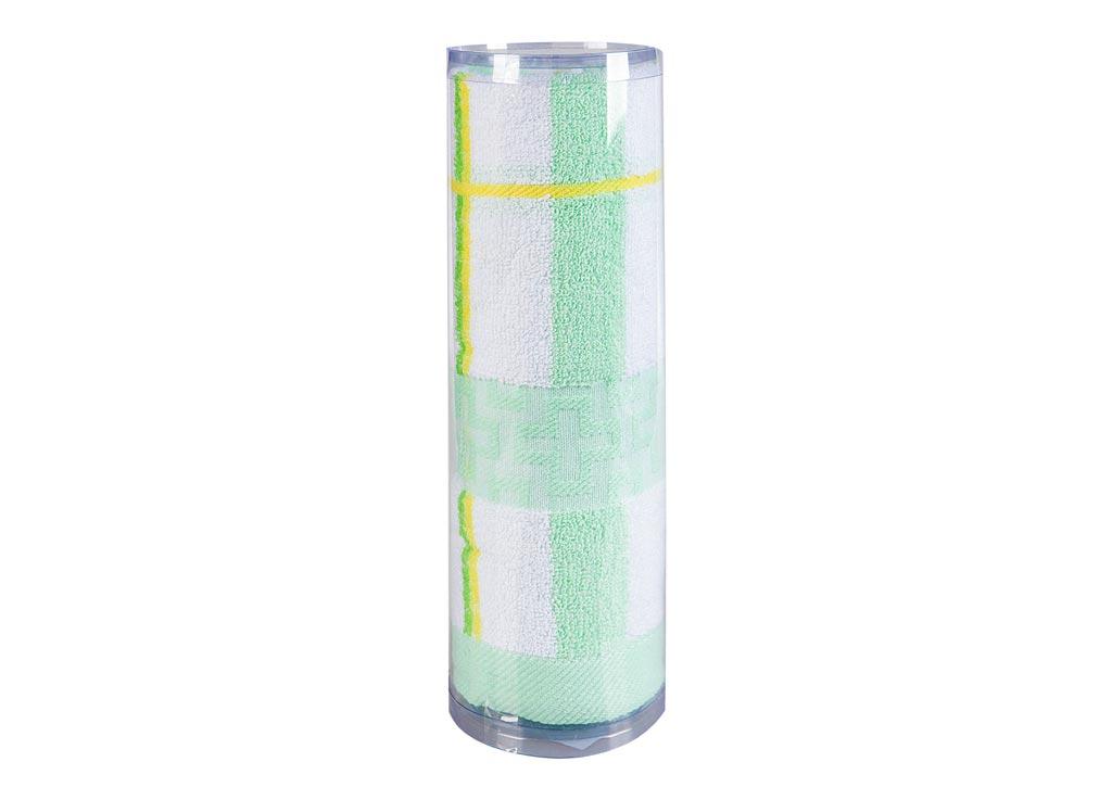 Полотенце махровое Soavita Df. Светлая клетка, цвет: зеленый, 50 х 100 см83100Полотенце для тела Soavita Df. Светлая клетка выполнено из высококачественного махрового полотна с рисунком в клетку. Махровое полотно создается из хлопковых нитей, которые, в свою очередь, прядутся из множества хлопковых волокон. Чем длиннее эти волокна, тем прочнее будет нить, и, соответственно, изделие. Длина составляющих хлопковую нить волокон влияет и на фактуру получаемой ткани: чем они длиннее, тем мягче и пушистее получится махровое изделие, тем лучше будет впитывать изделие воду. Хотя на впитывающие качество махры - ее гигроскопичность, не в последнюю очередь влияет состав волокна. Мягкая махровая ткань отлично впитывает влагу и быстро сохнет. Полотенце очень практично и неприхотливо в уходе, сохраняет яркость цвета и не теряет форму даже после многократных стирок.