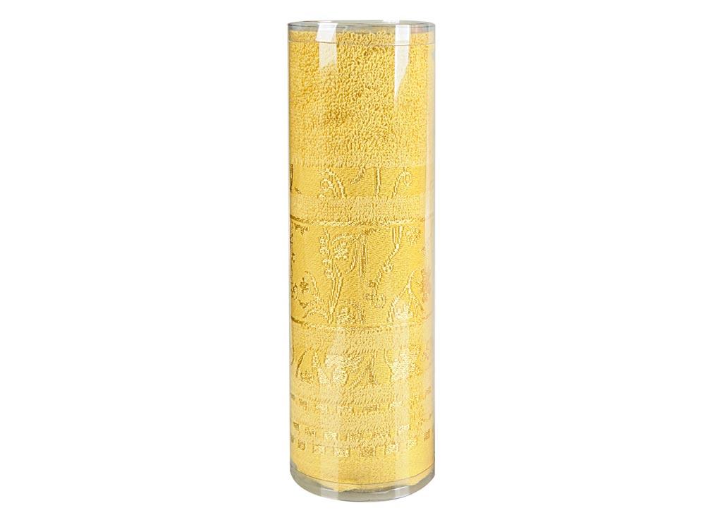 Полотенце махровое Soavita Df. Sandra, цвет: медовый, 50 х 90 см83114Махровое полотно создается из хлопковых нитей, которые, в свою очередь, прядутся из множества хлопковых волокон. Чем длиннее эти волокна, тем прочнее будет нить, и, соответственно, изделие. Длина составляющих хлопковую нить волокон влияет и на фактуру получаемой ткани: чем они длиннее, тем мягче и пушистее получится махровое изделие, тем лучше будет впитывать изделие воду. Хотя на впитывающие качество махры – ее гигроскопичность, не в последнюю очередь влияет состав волокна. Мягкая махровая ткань отлично впитывает влагу и быстро сохнет. Soavita – это популярный бренд домашнего текстиля. Дизайнерская студия этой фирмы находится во Флоренции, Италия. Производство перенесено в Китай, чтобы сделать продукцию более доступной для покупателей. Таким образом, вы имеете возможность покупать продукцию европейского качества совсем не дорого. Домашний текстиль прослужит вам долго: все детали качественно прошиты, ткани очень плотные, рисунок наносится безопасными для здоровья красителями, не линяет и держится много лет. Все изделия упакованы в подарочные упаковки.