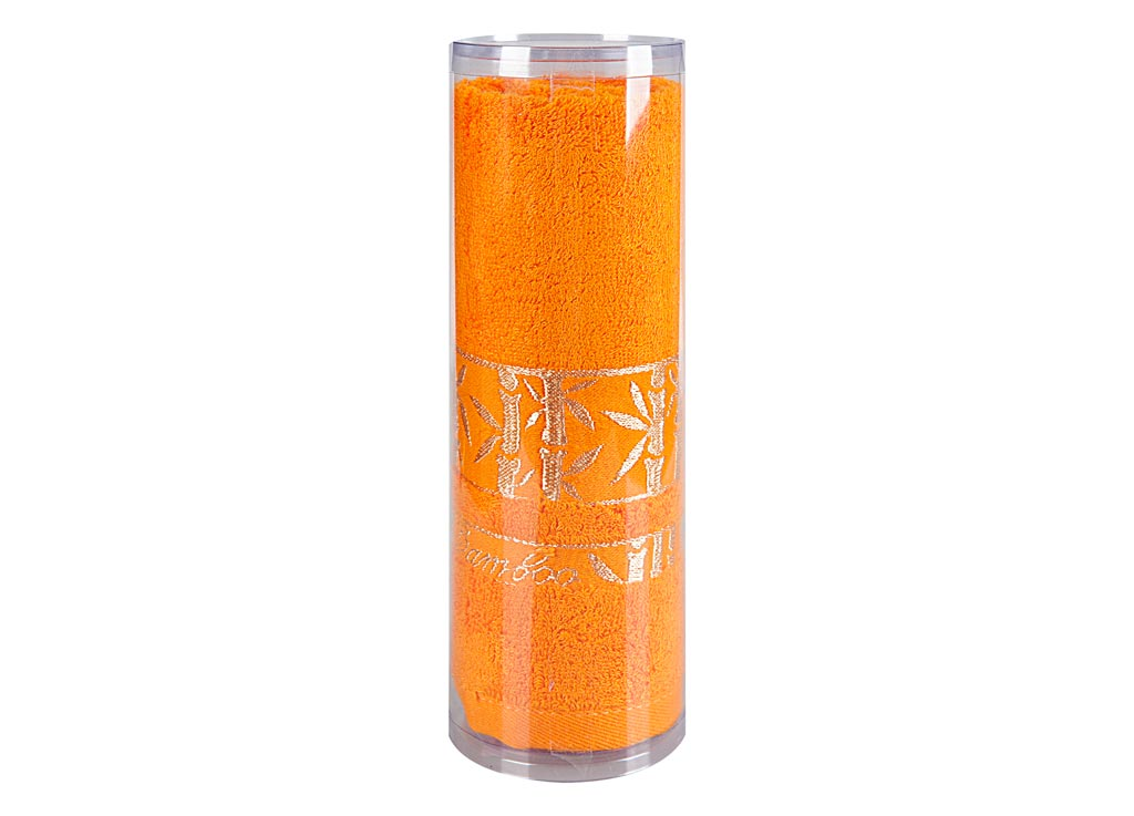 Полотенце махровое Soavita Andrea, цвет: желтый, 70 х 120 см83141Махровое полотно создается из хлопковых нитей, которые, в свою очередь, прядутся из множества хлопковых волокон. Чем длиннее эти волокна, тем прочнее будет нить, и, соответственно, изделие. Длина составляющих хлопковую нить волокон влияет и на фактуру получаемой ткани: чем они длиннее, тем мягче и пушистее получится махровое изделие, тем лучше будет впитывать изделие воду. Хотя на впитывающие качество махры – ее гигроскопичность, не в последнюю очередь влияет состав волокна. Мягкая махровая ткань отлично впитывает влагу и быстро сохнет. Soavita – это популярный бренд домашнего текстиля. Дизайнерская студия этой фирмы находится во Флоренции, Италия. Производство перенесено в Китай, чтобы сделать продукцию более доступной для покупателей. Таким образом, вы имеете возможность покупать продукцию европейского качества совсем не дорого. Домашний текстиль прослужит вам долго: все детали качественно прошиты, ткани очень плотные, рисунок наносится безопасными для здоровья красителями, не линяет и держится много лет. Все изделия упакованы в подарочные упаковки.