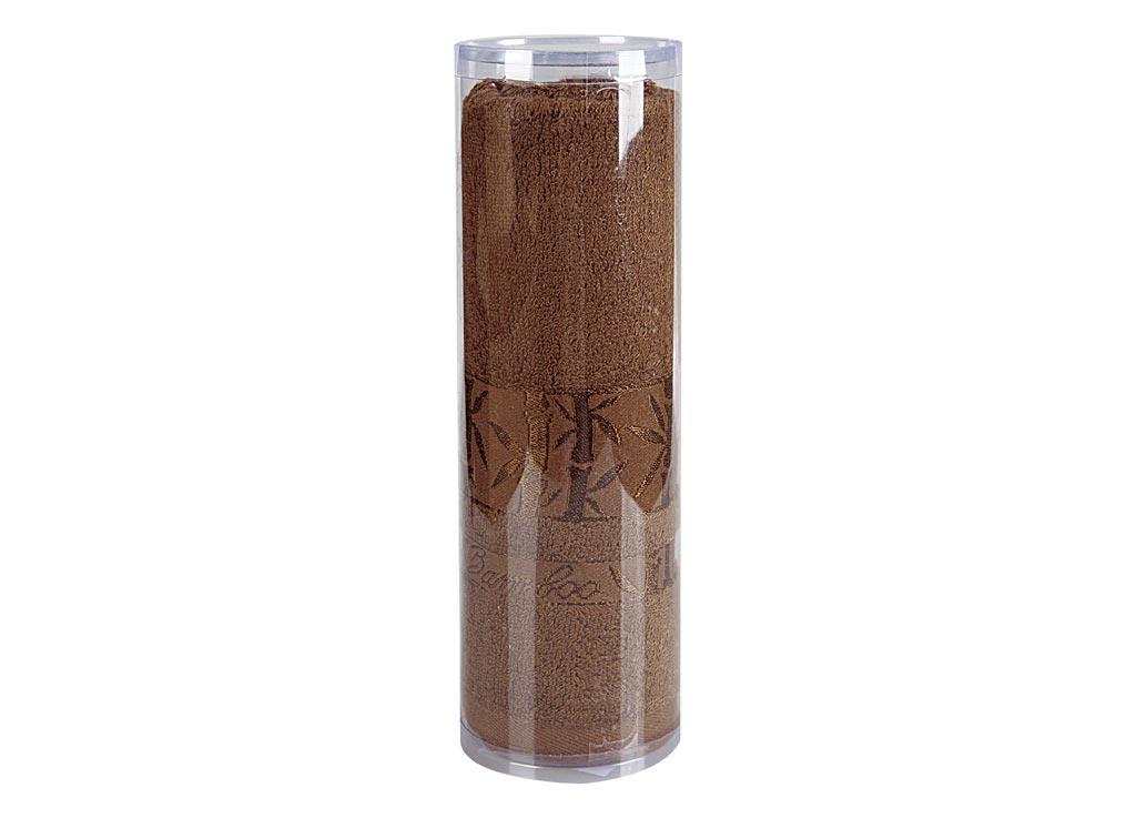 Полотенце махровое Soavita Daniel, цвет: коричневый, 50 х 70 см83144Махровое полотно создается из хлопковых нитей, которые, в свою очередь, прядутся из множества хлопковых волокон. Чем длиннее эти волокна, тем прочнее будет нить, и, соответственно, изделие. Длина составляющих хлопковую нить волокон влияет и на фактуру получаемой ткани: чем они длиннее, тем мягче и пушистее получится махровое изделие, тем лучше будет впитывать изделие воду. Хотя на впитывающие качество махры – ее гигроскопичность, не в последнюю очередь влияет состав волокна. Мягкая махровая ткань отлично впитывает влагу и быстро сохнет.Soavita – это популярный бренд домашнего текстиля. Дизайнерская студия этой фирмы находится во Флоренции, Италия. Производство перенесено в Китай, чтобы сделать продукцию более доступной для покупателей. Таким образом, вы имеете возможность покупать продукцию европейского качества совсем не дорого. Домашний текстиль прослужит вам долго: все детали качественно прошиты, ткани очень плотные, рисунок наносится безопасными для здоровья красителями, не линяет и держится много лет. Все изделия упакованы в подарочные упаковки.