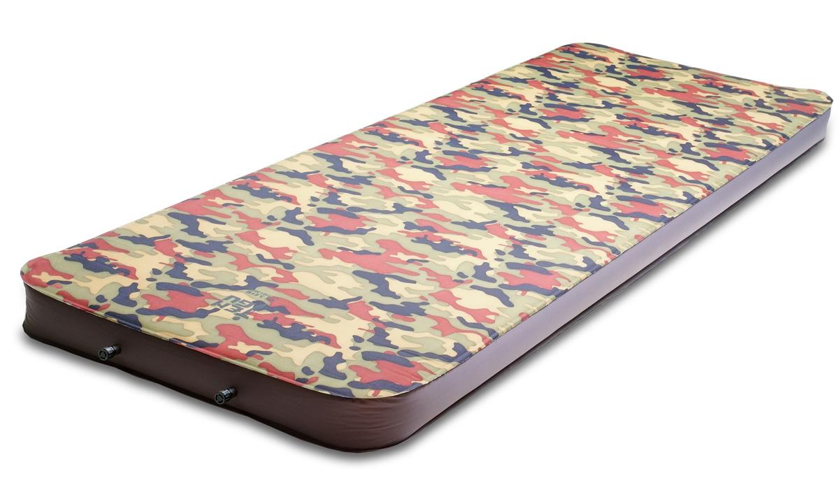 Коврик самонадувающийся Tengu MK 3.61M, цвет: вудланд. 7361.00207361.0020Tengu MK 3.61M - широкий туристический коврик для кемпинга. Его можно использовать в качестве комфортного ортопедического матраса при отдыхе на природе. При ширине в 77 см, длине 198 см и толщине 10 см он ничем не уступает лучшим образцам ортопедических матрасов, но при этом помешается в чехол 80 х 23 см. Верхняя ткань коврика высокопрочная полиэстеровая с плотностью 560D. Нижняя часть коврика из прочной ткани со специальным нескользким покрытием, предотвращающим скольжение коврика внутри палатки. Внутри коврика находится вспененный полиуретан плотностью 16 г/м3 с горизонтальными каналами, что уменьшает общий вес коврика и значительно уменьшает время надувания и сдувания коврика. Два клапана также помогают быстро надувать и сдувать коврик.Внимание! Во время первого использования коврик необходимо надуть самостоятельно. При дальнейшем использовании коврик будет надуваться сам после открытия клапана.