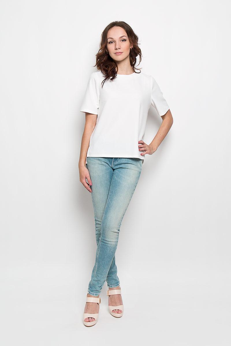 Блузка женская Glamorous, цвет: белый. CK2519. Размер S (44)CK2519Стильная женская блузка Glamorous, выполненная из полиэстера с добавлением эластана, подчеркнет ваш уникальный стиль и поможет создать женственный образ. Модель c круглым вырезом горловины и короткими рукавами. Сзади блуза застегивается на застежку-молнию. Спинка модели немного удлинена. В боковых швах обработаны небольшие разрезы. Такая блузка будет дарить вам комфорт в течение всего дня и послужит замечательным дополнением к вашему гардеробу.