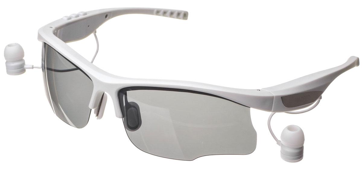 Harper HB-600, White очки с Bluetooth-гарнитуройH00001016Стильные спортивные солнцезащитные очки с Bluetooth-гарнитурой Harper HB-600. Cветофильтры очков изготовлены из пластика, легкого и небьющегося. Фильтры поляризованы, то есть они не просто затемняют, а именно не пропускают вредные для глаз лучи.В Harper HB-600 используются внутриканальные наушники, которые выведены на небольших проводках из оправы возле уха. Подключение к вашему устройству происходит посредством беспроводной связи Bluetooth.Длины провода достаточно, чтобы можно было поднять очки наверх, не вытаскивая гарнитуру из ушей. На внешней стороне оправы предусмотрены металлические вставки, к которым примагничиваются наушники. Внутренняя часть дужек покрыта резиной.