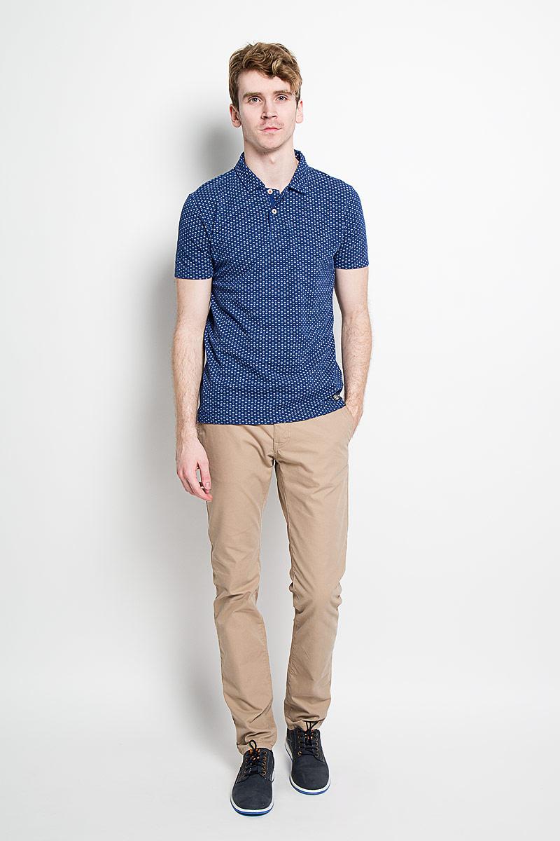 Поло мужское Broadway Erland, цвет: синий. 20100123 545. Размер M (48)20100123 545Стильная мужская футболка-поло Broadway, выполненная из высококачественного хлопка, обладает высокой теплопроводностью, воздухопроницаемостью и гигроскопичностью, позволяет коже дышать.Модель с короткими рукавами и отложным воротником - идеальный вариант для создания оригинального современного образа. Сверху футболка-поло застегивается на две пуговицы. По бокам модели предусмотрены небольшие разрезы. Изделие оформлено оригинальным принтом.Такая футболка-поло подарит вам комфорт в течение всего дня и послужит замечательным дополнением к вашему гардеробу.
