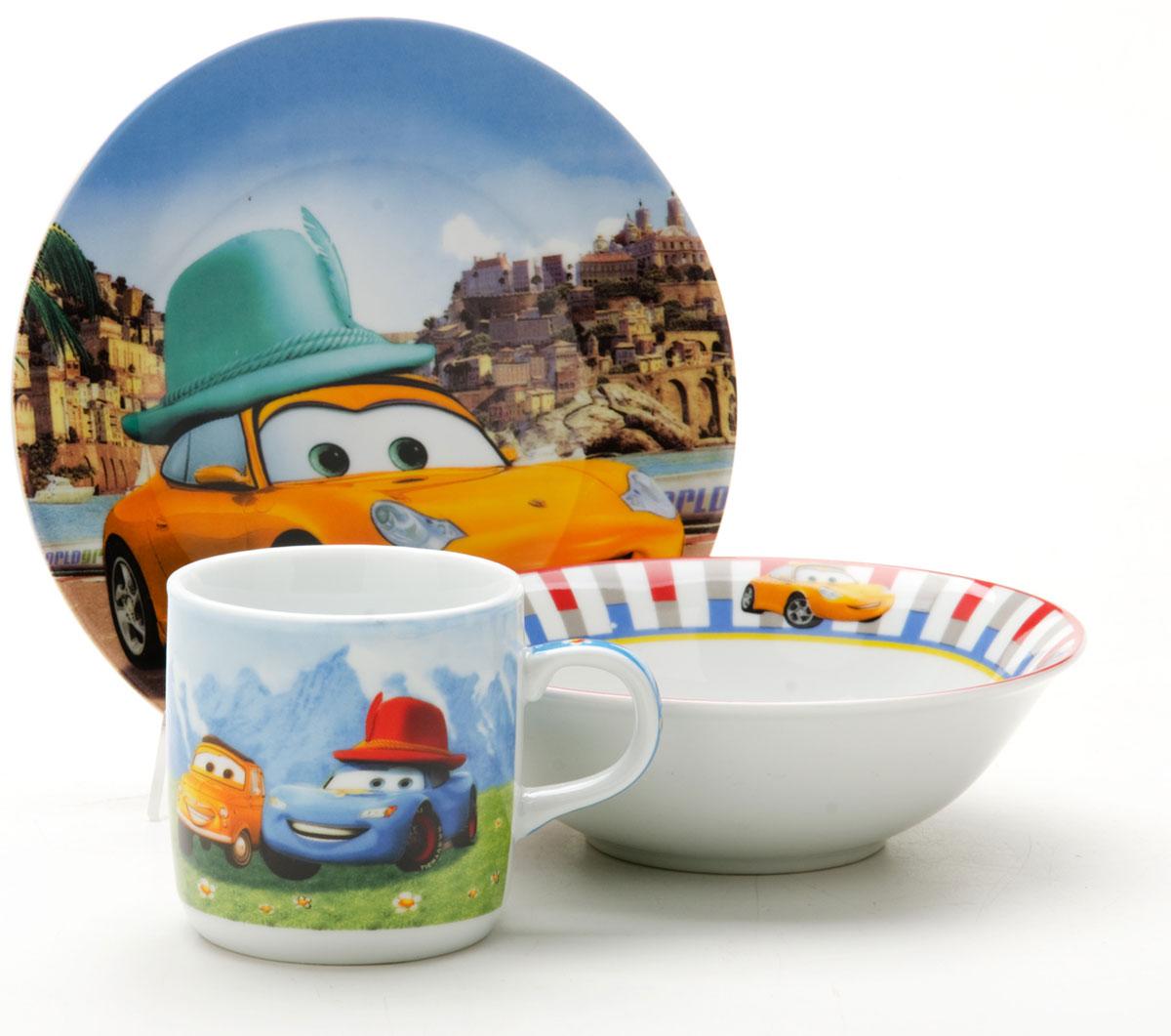 Набор посуды Loraine Тачки, 3 предмета25603Набор посуды Loraine сочетает в себе изысканный дизайн с максимальной функциональностью. В набор входят суповая тарелка, обеденная тарелка и кружка.Предметы набора выполнены из высококачественной керамики, декорированы красочным рисунком. Благодаря такому набору обед вашего ребенка будет еще вкуснее. Набор упакован в красочную, подарочную упаковку. Диаметр суповой тарелки: 15 см.Диаметр обеденной тарелки: 17,5 см.Объем кружки: 230 мл.