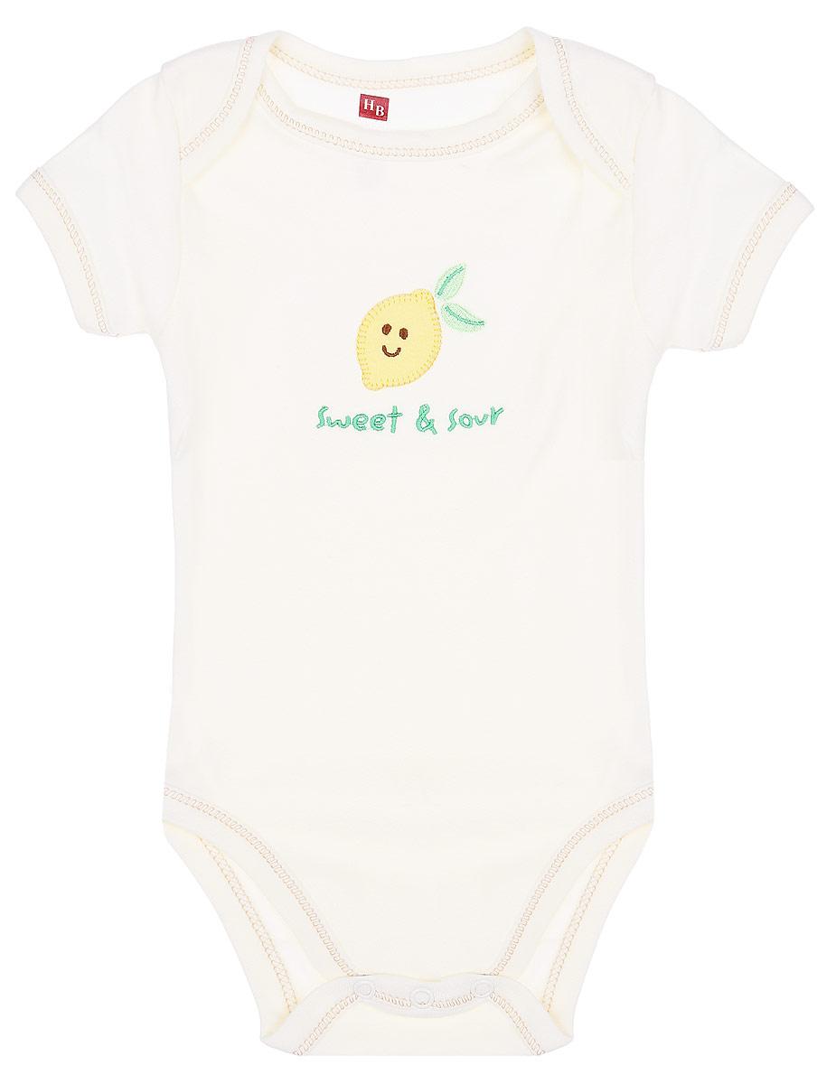 Боди детское Hudson Baby, цвет: светло-бежевый. 68265. Размер S, 0-3 месяца68265Боди Hudson Baby станет идеальным дополнением к гардеробу вашего ребенка. Изделие изготовлено из натурального хлопка, очень мягкое и приятное на ощупь, не раздражает нежную кожу ребенка и хорошо вентилируется.Боди с короткими рукавами и круглым вырезом горловины имеет удобные запахи на плечах, а также застежки-кнопки на ластовице, которые помогают легко переодеть ребенка и сменить подгузник. Спереди изделие оформлено яркой аппликацией и надписью на английском языке. Боди полностью соответствует особенностям жизни ребенка в ранний период, не стесняя и не ограничивая его в движениях. В нем кроха будет чувствовать себя комфортно, уютно и всегда будет в центре внимания!