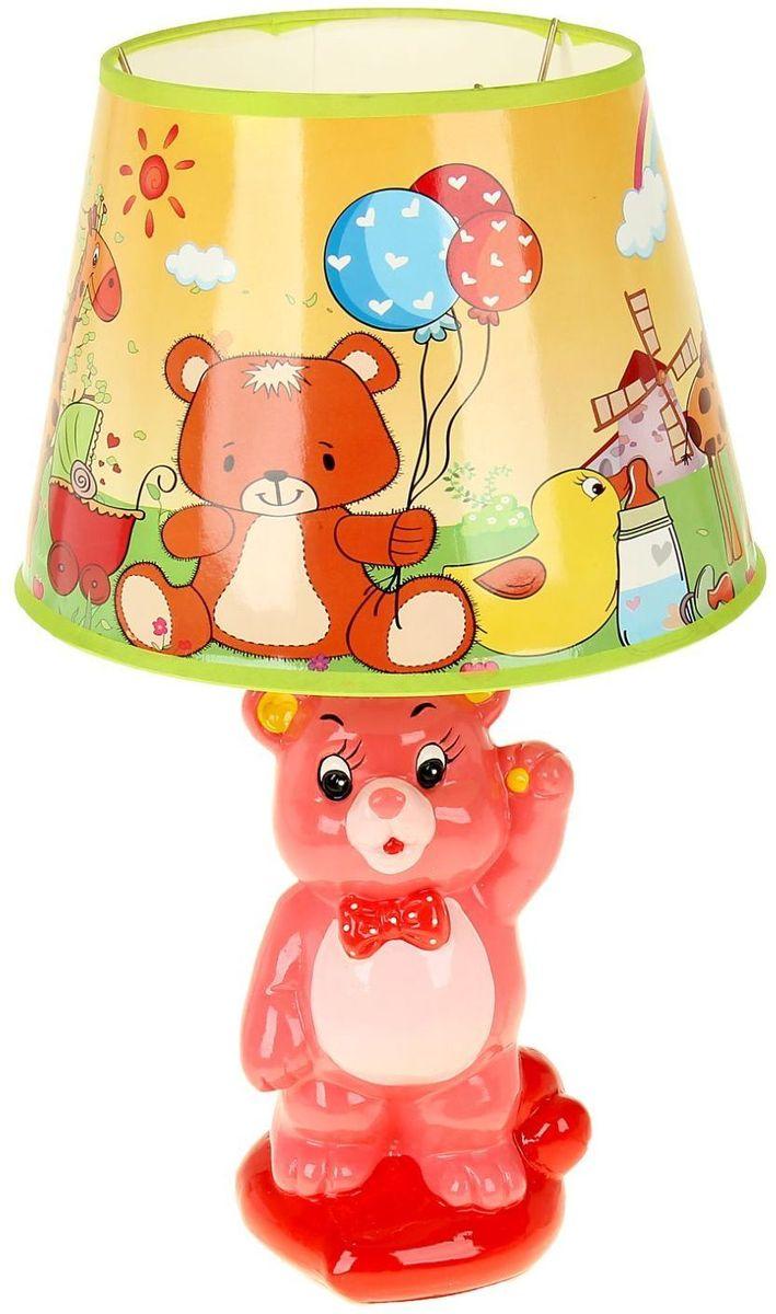 Светильник детский керамика Мишутка с сердцем МИКС1099725Детям веселей, когда их окружают яркие вещицы. Поэтому стоит продумать даже то, как будет выглядеть дополнительный источник света в комнате вашего малыша. Чаще всего подобные светильники ставят на прикроватную тумбочку или письменный стол, чтобы в комнате не оставалось неосвещённого пространства.Чтобы не оставлять своего маленького шалуна в полной темноте, просто «зажгите» светильник детский белый, с ним будет спокойней и вам и ребёнку.*Размещайте провода и другие, не предназначенные для детских ручек детали, таким образом, чтобы ваш шалун до них не дотянулся.