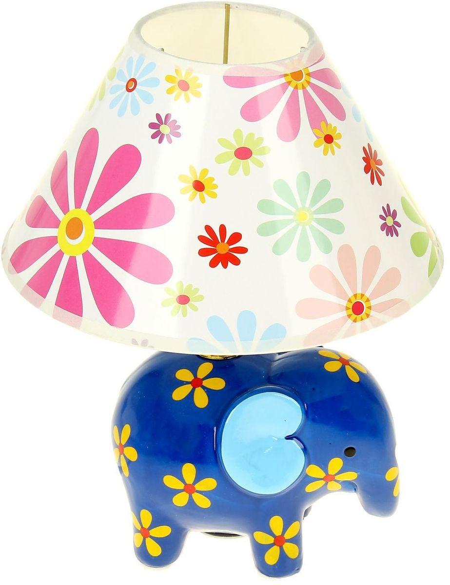Светильник детский керамика Цветочный слоник МИКС1099727Детям веселей, когда их окружают яркие вещицы. Поэтому стоит продумать даже то, как будет выглядеть дополнительный источник света в комнате вашего малыша. Чаще всего подобные светильники ставят на прикроватную тумбочку или письменный стол, чтобы в комнате не оставалось неосвещённого пространства.Чтобы не оставлять своего маленького шалуна в полной темноте, просто «зажгите» светильник детский белый, с ним будет спокойней и вам и ребёнку.*Размещайте провода и другие, не предназначенные для детских ручек детали, таким образом, чтобы ваш шалун до них не дотянулся.