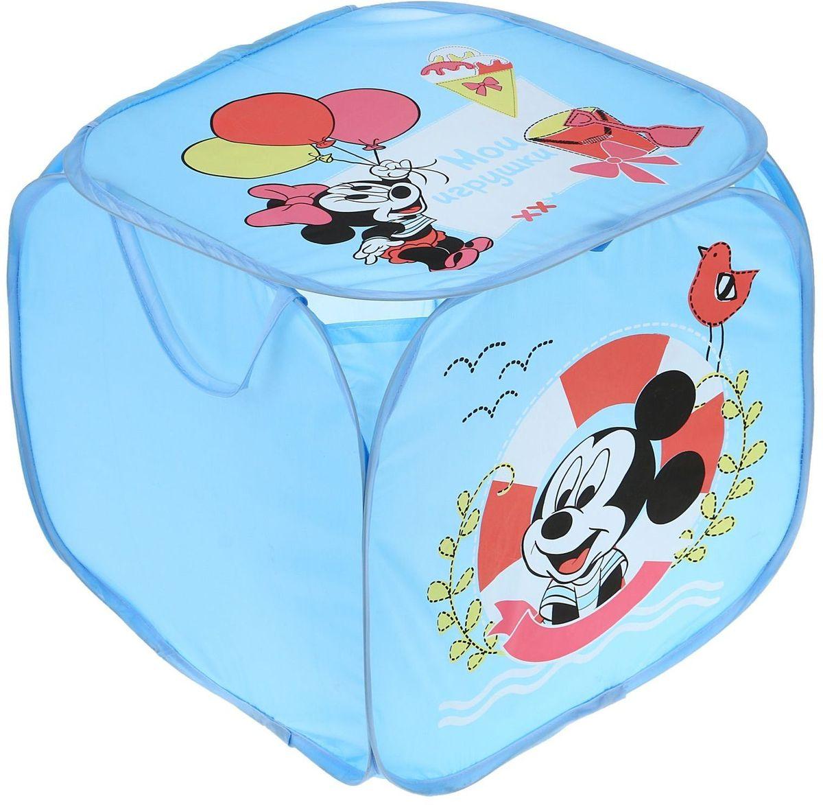 Disney Корзина для хранения Мои игрушки Микки Маус и его друзья1298683С Disney уборка веселей! Квадратная корзина с героями любимого мультфильма приведёт ребёнка в восторг: малыш сам будет прибирать игрушки без лишних напоминаний! Изделие дополнено двумя ручками, за которые куб можно подвесить или перемещать с места на место. Крышка с красочным изображением известного персонажа Disney защитит содержимое корзины от пыли и других загрязнений.