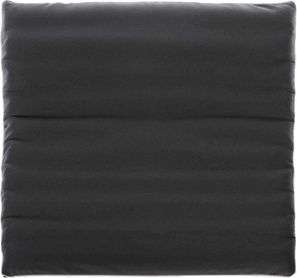 Подушка на сиденье Smart Textile Гемо-комфорт офис, с чехлом, наполнитель: лузга гречихи, 50 х 50 смT579Подушка на сиденье Smart Textile Гемо-комфорт офис создана для тех, кто весь свой рабочий день вынужден проводить в офисном кресле. Наполнителем служат лепестки лузги гречихи, которые обеспечивают микромассаж кожи и поверхностных мышц, а также обеспечивают удобную посадку и снимают напряжение.Особенности подушки:- Хорошо проветривается.- Предупреждает потение.- Поддерживает комфортную температуру.- Обминается по форме тела.- Улучшает кровообращение.- Исключает затечные явления.- Предупреждает развитие заболеваний, связанных с сидячим образом жизни. Конструкция подушки, составленная из ряда валиков, обеспечивает еще больший массажный эффект, а плотная износостойкая ткань хорошо удерживает наполнитель, сохраняет форму подушки и продлевает срок службы изделия.Подушка также будет полезна и дома - при работе за компьютером, школьникам - при выполнении домашних работ, да и в любимом кресле перед телевизором.В комплект прилагается сменный чехол, выполненный из смесовой ткани, за счет чего уход за подушкой становится удобнее и проще.