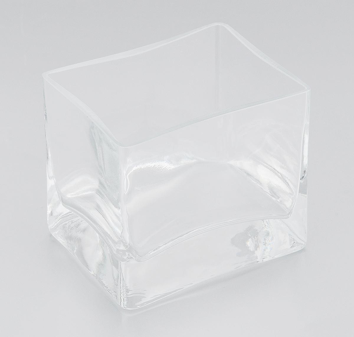 Ваза Pasabahce Botanica, высота 8,5 см43072BЭлегантная ваза Pasabahce Botanica выполнена из высококачественного натрий-кальций-силикатного стекла.Изделие придется по вкусу и ценителям классики, и тем, кто предпочитает утонченность и изящность. Вы можете поставить вазу в любом месте, где она будет удачно смотреться и радовать глаз. Такая ваза подойдет для декора интерьера. Кроме того - это отличный вариант подарка для ваших близких и друзей. Можно мыть в посудомоечной машине.Высота вазы: 8,5 см.Размер вазы (по верхнему краю): 9,5 х 7,5 см.
