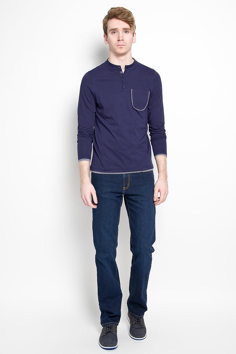 Джинсы мужские F5, цвет: темно-синий. 160117_0965/L. Размер 32-34 (48-34)160117_0965/LМужские джинсы F5 станут стильным дополнением к вашему гардеробу. Изготовленные из хлопка с добавлением эластана, они тактильно приятные, позволяют коже дышать.Джинсы прямого кроя застегиваются на металлическую пуговицу на поясе и ширинку на молнии, также имеются шлевки для ремня. Спереди модель дополнена двумя втачными карманами и одним секретным кармашком, а сзади - двумя большими накладными карманами. Оформлено изделие контрастной строчкой. Современный дизайн и расцветка делают эти джинсы модным предметом мужской одежды. Такая модель подарит вам комфорт в течение всего дня.
