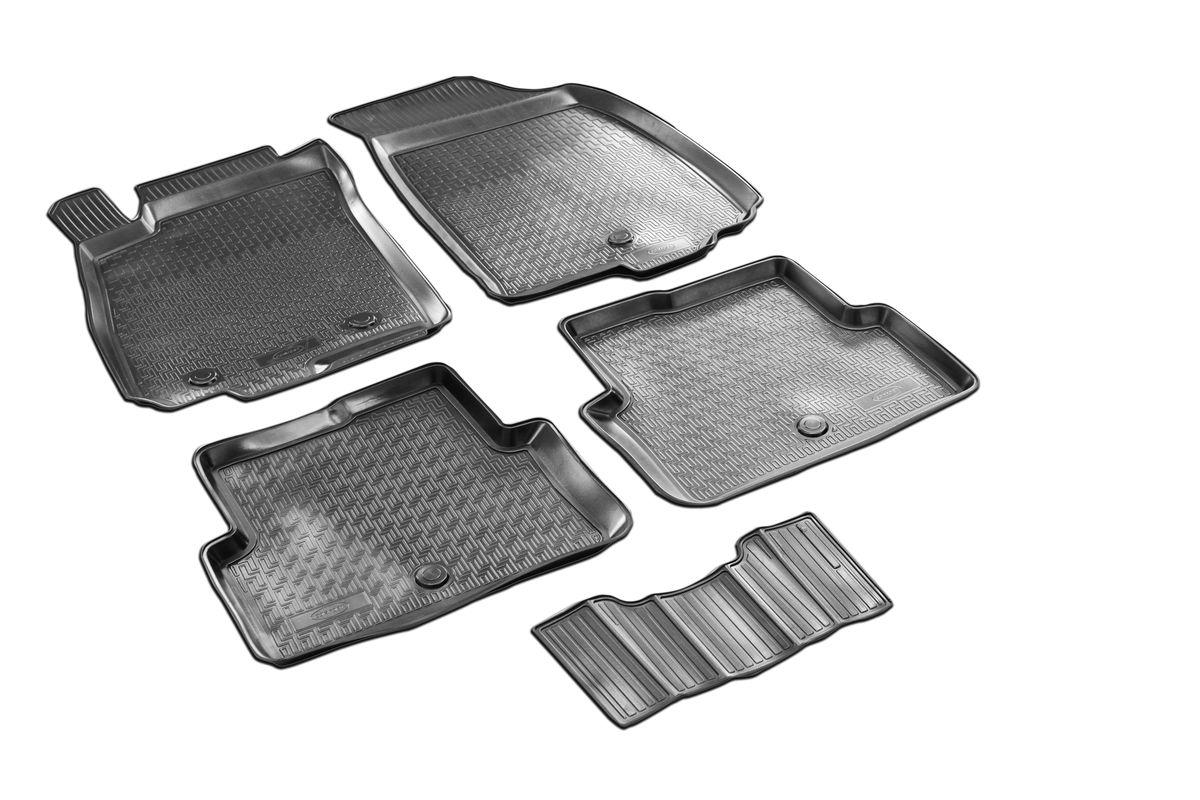 Коврики салона Rival для Chevrolet Aveo (SD, HB) 2011-, c перемычкой, полиуретан11001001Прочные и долговечные коврики Rival в салон автомобиля, изготовлены из высококачественного и экологичного сырья, полностью повторяют геометрию салона вашего автомобиля.- Надежная система крепления, позволяющая закрепить коврик на штатные элементы фиксации, в результате чего отсутствует эффект скольжения по салону автомобиля.- Высокая стойкость поверхности к стиранию.- Специализированный рисунок и высокий борт, препятствующие распространению грязи и жидкости по поверхности коврика.- Перемычка задних ковриков в комплекте предотвращает загрязнение тоннеля карданного вала.- Произведены из первичных материалов, в результате чего отсутствует неприятный запах в салоне автомобиля.- Высокая эластичность, можно беспрепятственно эксплуатировать при температуре от -45 ?C до +45 ?C.Уважаемые клиенты!Обращаем ваше внимание,что коврики имеет формусоответствующую модели данного автомобиля. Фото служит для визуального восприятия товара.