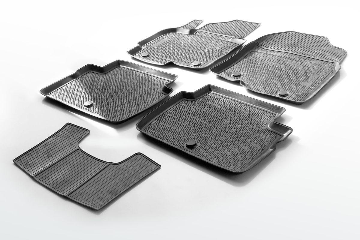 Коврики салона Rival для Mazda CX-5 2011-2017, c перемычкой, полиуретан13803001Прочные и долговечные коврики Rival в салон автомобиля, изготовлены из высококачественного и экологичного сырья, полностью повторяют геометрию салона вашего автомобиля.- Надежная система крепления, позволяющая закрепить коврик на штатные элементы фиксации, в результате чего отсутствует эффект скольжения по салону автомобиля.- Высокая стойкость поверхности к стиранию.- Специализированный рисунок и высокий борт, препятствующие распространению грязи и жидкости по поверхности коврика.- Перемычка задних ковриков в комплекте предотвращает загрязнение тоннеля карданного вала.- Произведены из первичных материалов, в результате чего отсутствует неприятный запах в салоне автомобиля.- Высокая эластичность, можно беспрепятственно эксплуатировать при температуре от -45 ?C до +45 ?C.Уважаемые клиенты!Обращаем ваше внимание,что коврики имеет формусоответствующую модели данного автомобиля. Фото служит для визуального восприятия товара.