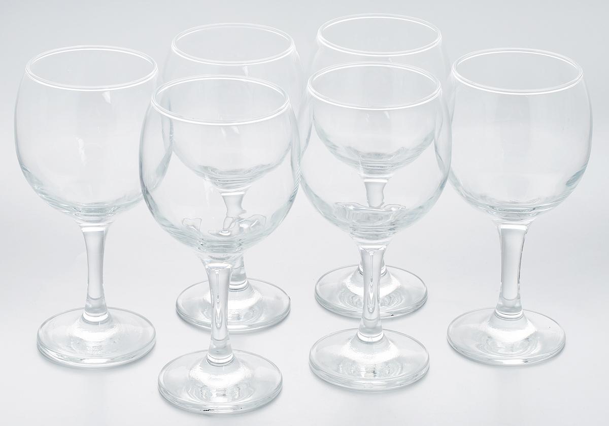 """Набор Pasabahce """"Bistro"""" состоит из шести бокалов,  выполненных из прочного натрий-кальций- силикатного стекла. Бокалы предназначены для подачи вина, сока и других напитков. Они сочетают в себе  элегантный дизайн и функциональность. Набор бокалов Pasabahce """"Bistro"""" прекрасно оформит  праздничный стол и создаст приятную атмосферу за  романтическим ужином. Также он станет хорошим подарком к  любому случаю.  Можно мыть в посудомоечной машине. Диаметр бокала по верхнему краю: 6,5 см.  Высота бокала: 16 см."""