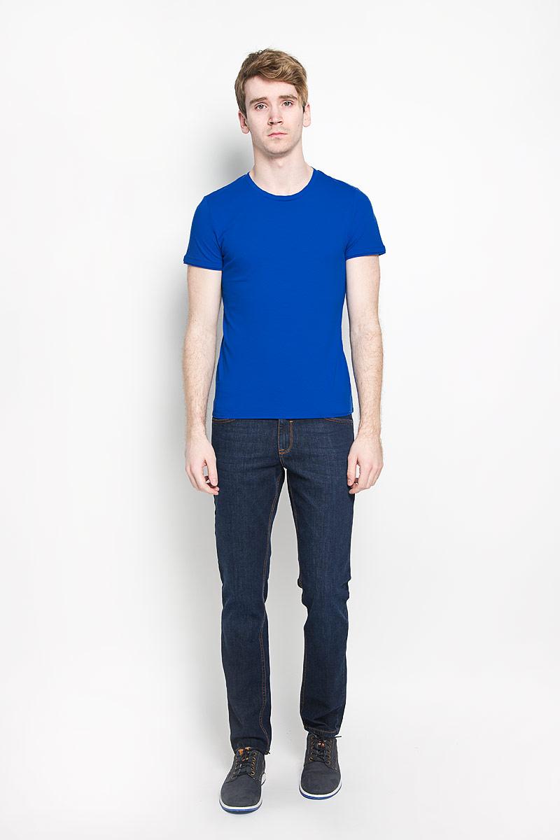 Футболка мужская Tom Tailor, цвет: синий. 1033583.00.15. Размер M (48)1033583.00.15Стильная мужская футболка Tom Tailor с короткими рукавами и круглым вырезом горловины, изготовленная из эластичного хлопка, прекрасно подойдет для повседневной носки. Материал очень мягкий и приятный на ощупь, не сковывает движения и позволяет коже дышать. Рукава и вырез горловины дополнены эластичными трикотажными резинками. Такая модель будет дарить вам комфорт в течение всего дня и станет стильным дополнением к вашему гардеробу.