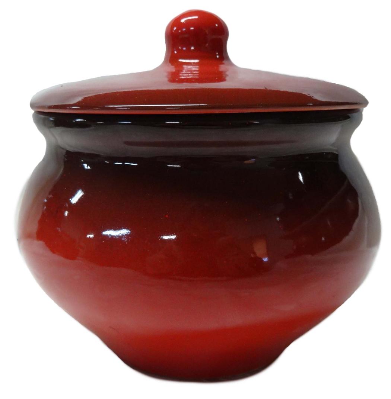 Горшок для жаркого Борисовская керамика Красный, 1,3 лКРС00000335Горшок для жаркого Борисовская керамика Красный выполнен из высококачественной керамики. Внутренняя и внешняя поверхность покрыты глазурью. Керамика абсолютно безопасна, поэтому изделие придется по вкусу любителям здоровой и полезной пищи. Горшок для запекания с крышкой очень вместителен и имеет удобную форму. Идеально подходит для запекания большого объема на 2-3 порции. Уникальные свойства красной глины и толстые стенки изделия обеспечивают эффект русской печи при приготовлении блюд. Это значит, что еда будет очень вкусной, сочной и здоровой.Посуда жаропрочная. Можно использовать в духовке и микроволновой печи.Диаметр горшочка: 16 см. Высота: 12 см.