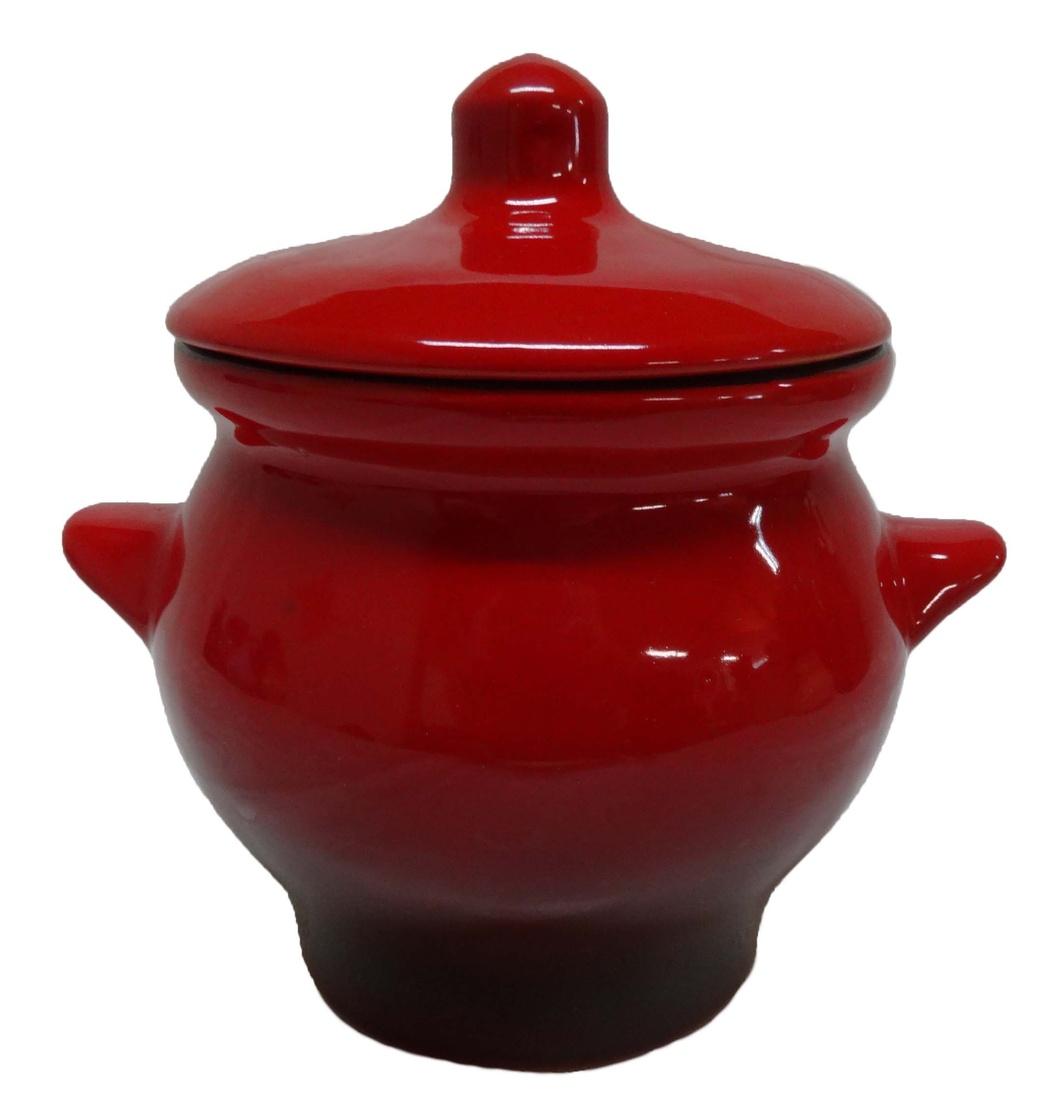 Горшок для жаркого Борисовская керамика Красный, 650 млКРС00000348Горшок для жаркого Борисовская керамика Красный выполнен из высококачественной керамики. Внутренняя и внешняя поверхность покрыты глазурью. Керамика абсолютно безопасна, поэтому изделие придется по вкусу любителям здоровой и полезной пищи. Горшок для запекания с крышкой очень вместителен и имеет удобную форму. Идеально подходит для запекания большого объема на 2-3 порции. Уникальные свойства красной глины и толстые стенки изделия обеспечивают эффект русской печи при приготовлении блюд. Это значит, что еда будет очень вкусной, сочной и здоровой.Посуда жаропрочная. Можно использовать в духовке и микроволновой печи.Диаметр горшочка: 12 см. Высота: 12 см.