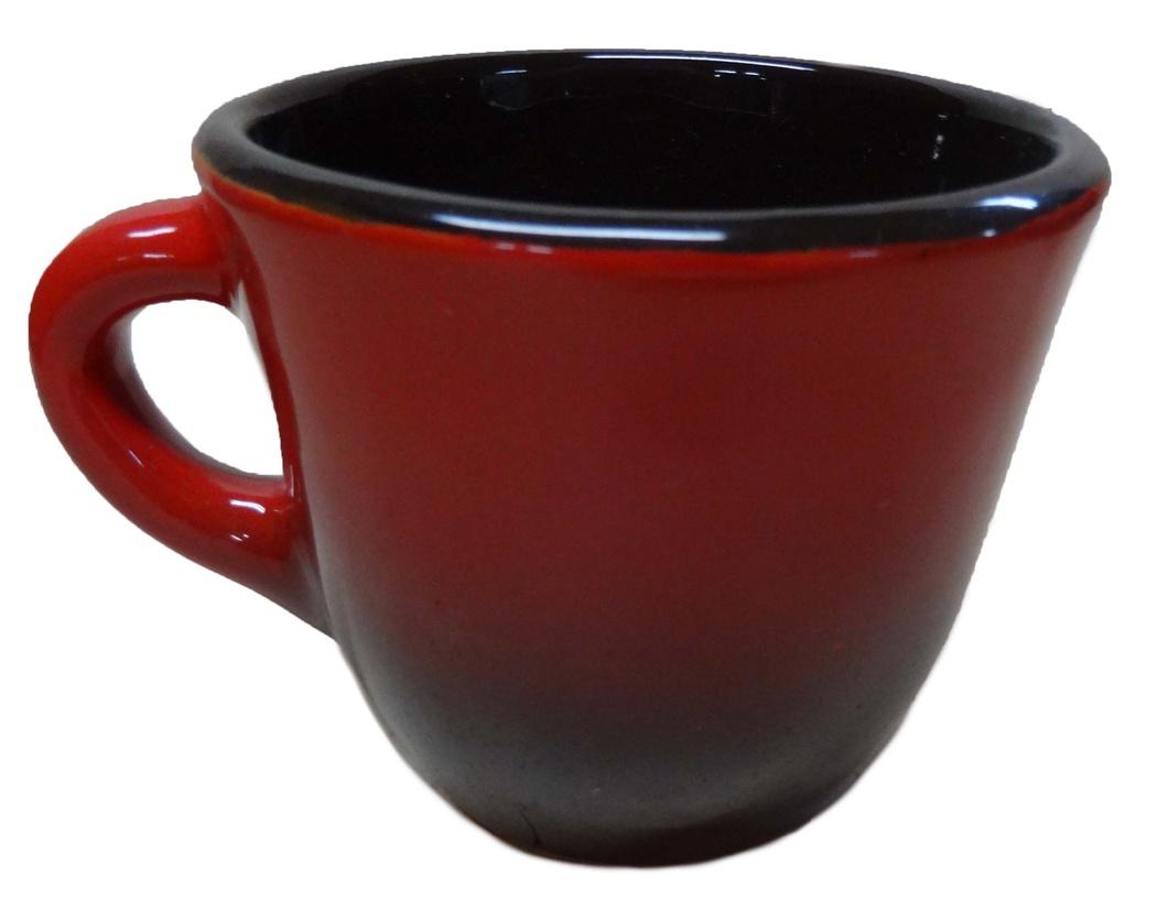 Чашка Борисовская керамика Красный, цвет: красный, черный, 300 млКРС00000633_красный, черныйУдобная чашка Борисовская керамика Красный предназначена для повседневного использования. Она выполнена из высококачественной керамики. Природные свойства этого материала позволяют долго сохранять температуру напитка, даже если вы пьете что-то холодное. Внешние и внутренние стенки покрыты цветной глазурью.Диаметр чашки (по верхнему краю): 10 см.Высота стенки: 8 см.