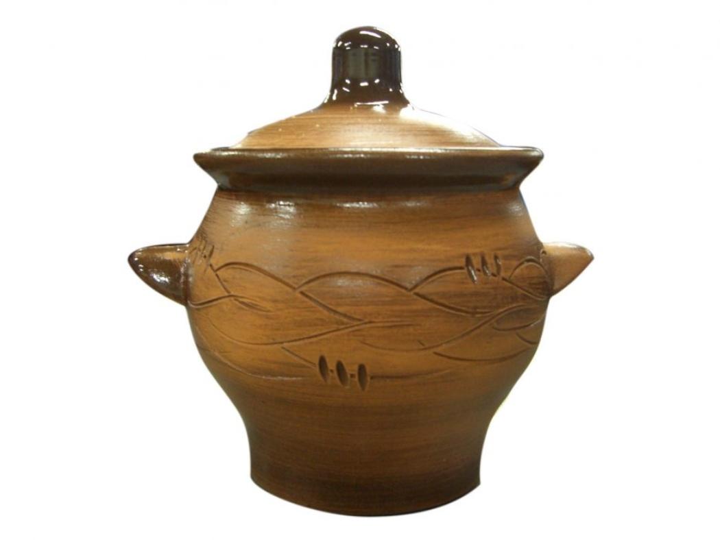 Горшок для жаркого Борисовская керамика Старина, с ручками, 0,65 лСТР00000345Горшок для жаркого Борисовская керамика Старина выполнен из высококачественной керамики и имеет оригинальный эффект старины. Керамика абсолютно безопасна, поэтому изделие придется по вкусу любителям здоровой и полезной пищи. Горшок для запекания с крышкой очень вместителен и имеет удобную форму. Идеально подходит для одной порции. Уникальные свойства красной глины и толстые стенки изделия обеспечивают эффект русской печи при приготовлении блюд. Это значит, что еда будет очень вкусной, сочной и здоровой.Посуда жаропрочная. Можно использовать в духовке и микроволновой печи.Диаметр горшочка: 12 см. Высота: 12 см.