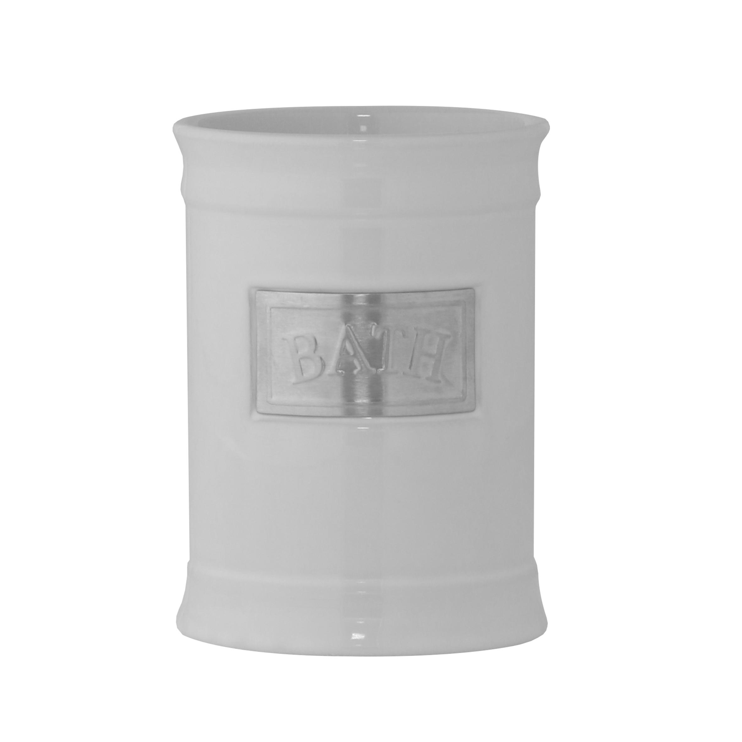 Стакан для ванной комнаты Axentia Lyon, высота 11,5 см122424Стакан для ванной комнаты Axentia Lyon выполнен из белоснежной керамики с элементами из нержавеющей стали в античном стиле. Изделие отлично подойдет для любого интерьера ванной комнаты.Высота стакана: 11,5 см.Диаметр стакана (по верхнему краю): 8,5 см.