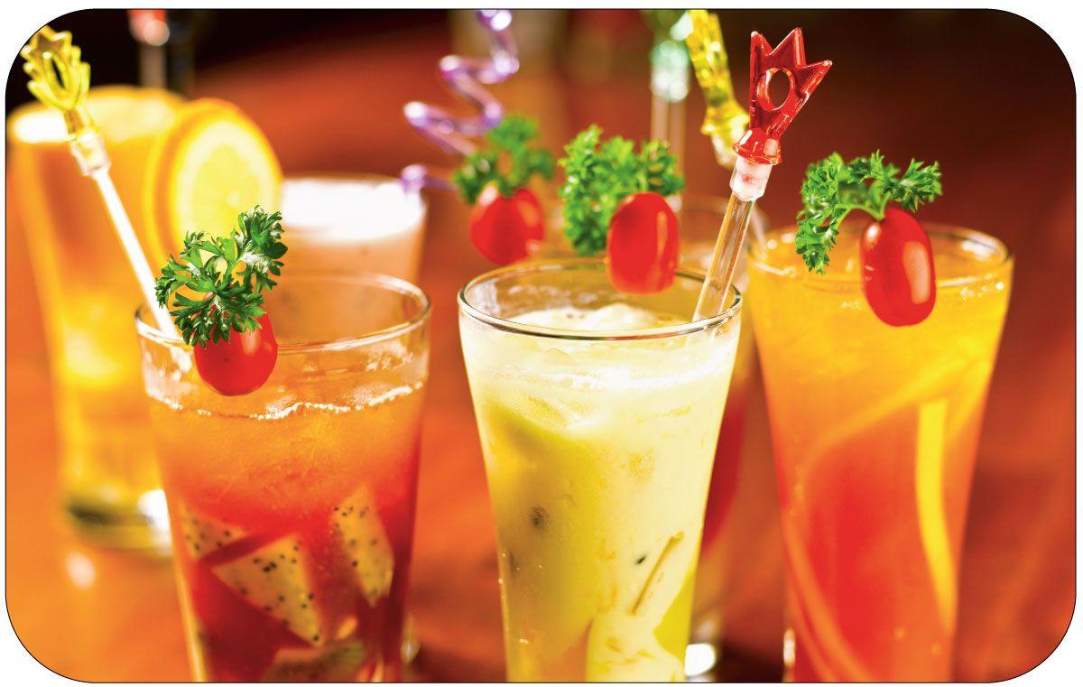 Салфетка сервировочная Пластмаркет Напитки, 41 х 26 см510Салфетка Пластмаркет Напитки, выполненная из ПВХ, предназначена для сервировки стола. Она служит защитой от царапин и различных следов, а также используется в качестве подставки под горячее. Оригинальный рисунок дополнит стильную сервировку стола. Размер салфетки: 41 х 26 см.