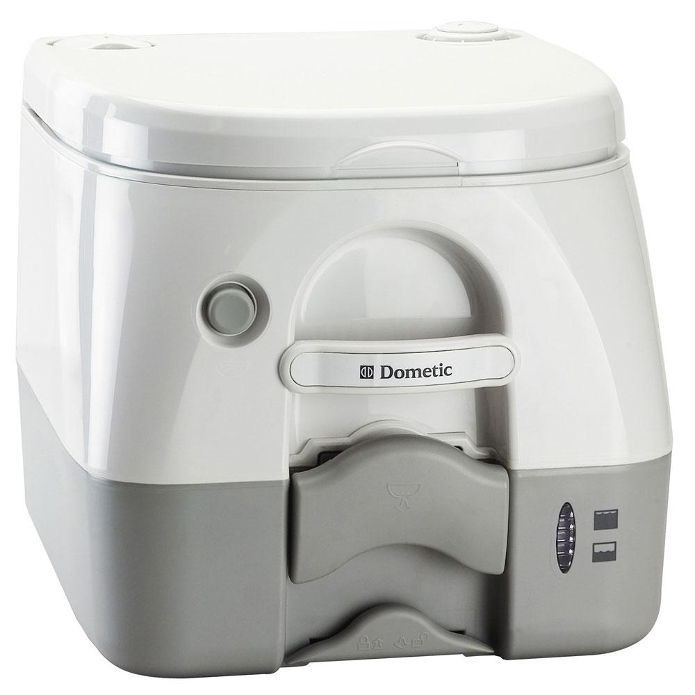 Dometic 972 биотуалет972Dometic 972 - биотуалет с баком для отходов объемом 9,8 литров, индикатором наполнения и удобным поворотнымпатрубком. Обеспечивает быстрый слив, надежную защиту от неприятного запаха и продуманную систему сливасточного бака без расплескиваний и проливаний.Мощный смыв на 360° Отсутствие неприятных запахов Удобный поворотный патрубок в емкости для отходов Индикатор наполнения емкости с отходами