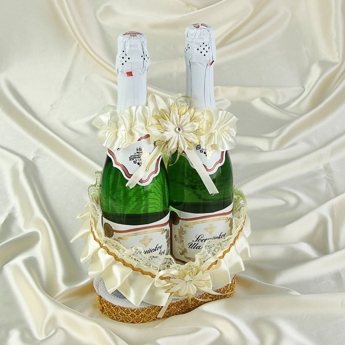 Корзинка для шампанского ладья Sima-land, цвет: золотистый. 1247458 украшение для шампанского sima land бант из сиреневых лент с золотым кружевом