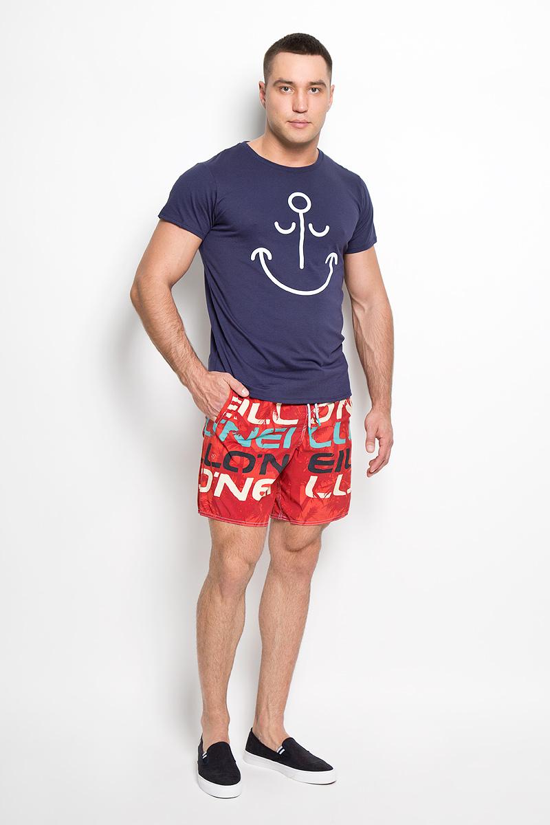 Шорты мужские ONeill, цвет: красный. 603226-3900. Размер M (48)603226-3900Мужские летние шорты ONeill станут отличным дополнением к вашему спортивному гардеробу. Они выполнены из полиамида и имеют подкладку из полиэстера, благодаря чему удобно сидят, обладают высокой износостойкостью, быстро сохнут и превосходно отводят влагу от тела, оставляя кожу сухой.Модель дополнена широкой эластичной резинкой на поясе. Объем талии регулируется при помощи шнурка-кулиски в поясе. Шорты дополнены двумя втачными карманами на липучках спереди и одним накладным карманом сзади, закрывающимся на клапан с кнопкой и липучкой. Шорты оформлены оригинальным принтом и украшены имитацией ширинки.Эти модные свободные шорты идеально подойдут для повседневной носки, а также бега, фитнеса и других спортивных упражнений. В них вы всегда будете чувствовать себя уверенно и комфортно.