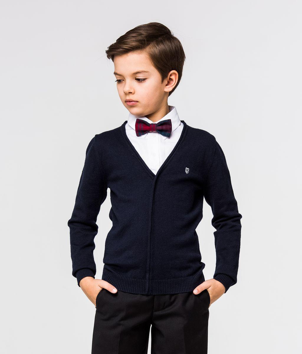 Пуловер для мальчика Silver Spoon, цвет: темно-синий, белый. SSFSB-627-14932-300. Размер 158SSFSB-627-14932-300Стильный трикотажный пуловер для мальчика Silver Spoon идеально подойдет для школы и повседневной носки. Изготовленный из хлопка с добавлением шерсти, он необычайно мягкий и приятный на ощупь, не сковывает движения ребенка и позволяет коже дышать. Модель с длинными рукавами и отложным воротником сверху застегивается на три пуговицы. Манжеты рукавов и низ модели связаны резинкой. Верхняя часть модели выполнена в виде ворота рубашки за счет чего создается эффект 2 в 1.