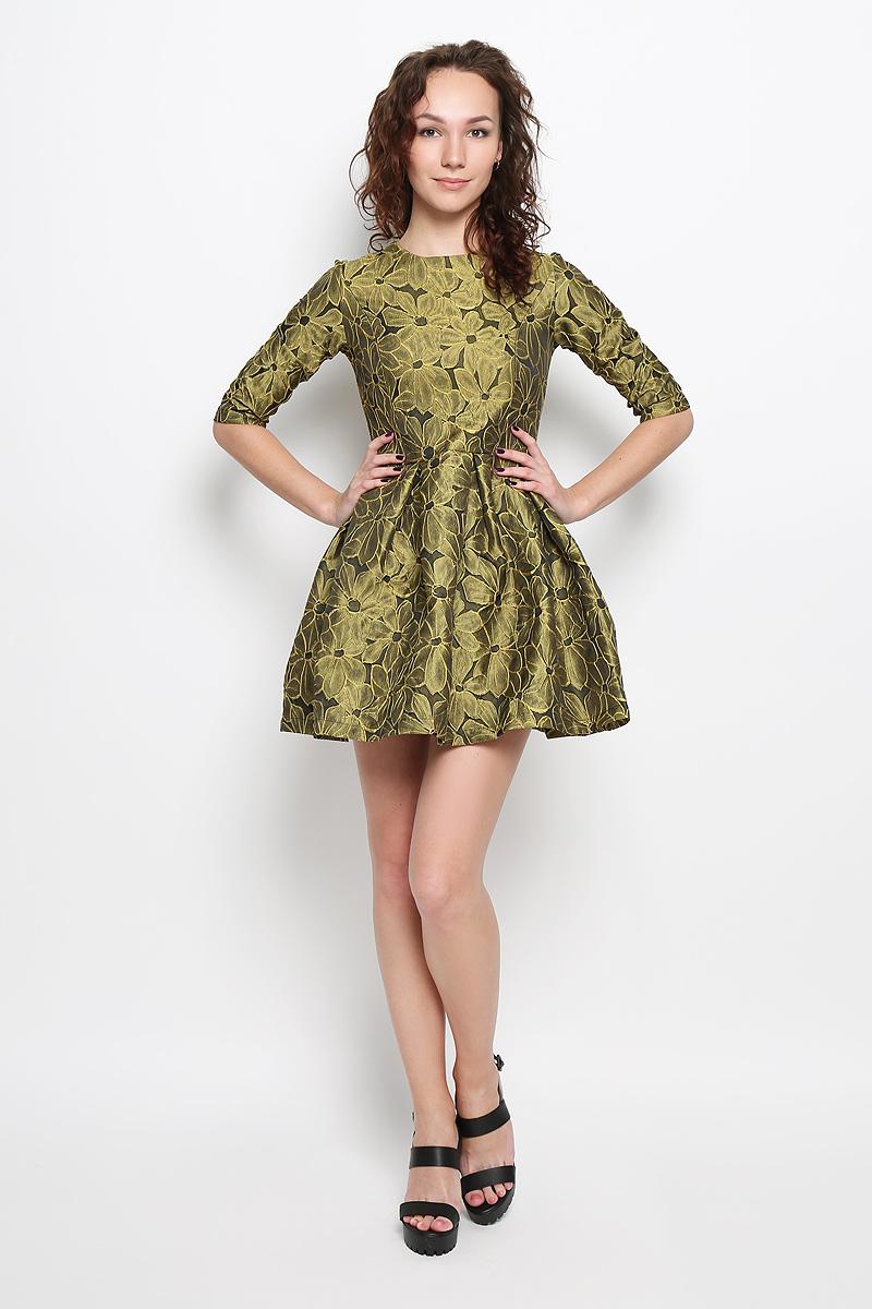 Платье Rocawear, цвет: желто-зеленый, черный. R041521. Размер L (48)R041521Платье Rocawear идеально подойдет для вас и станет стильным дополнением к вашему гардеробу. Выполненное из 100% полиэстера, оно очень приятное на ощупь, не сковывает движений и хорошо вентилируется.Модель приталенного силуэта, с круглым вырезом горловины и рукавами длинной до локтя. Юбка дополнена крупными складками. В среднем шве спинки обработана потайная застежка-молния. Платье оформлено цветочным принтом. Такое платье поможет создать яркий и привлекательный образ, в нем вам будет удобно и комфортно.