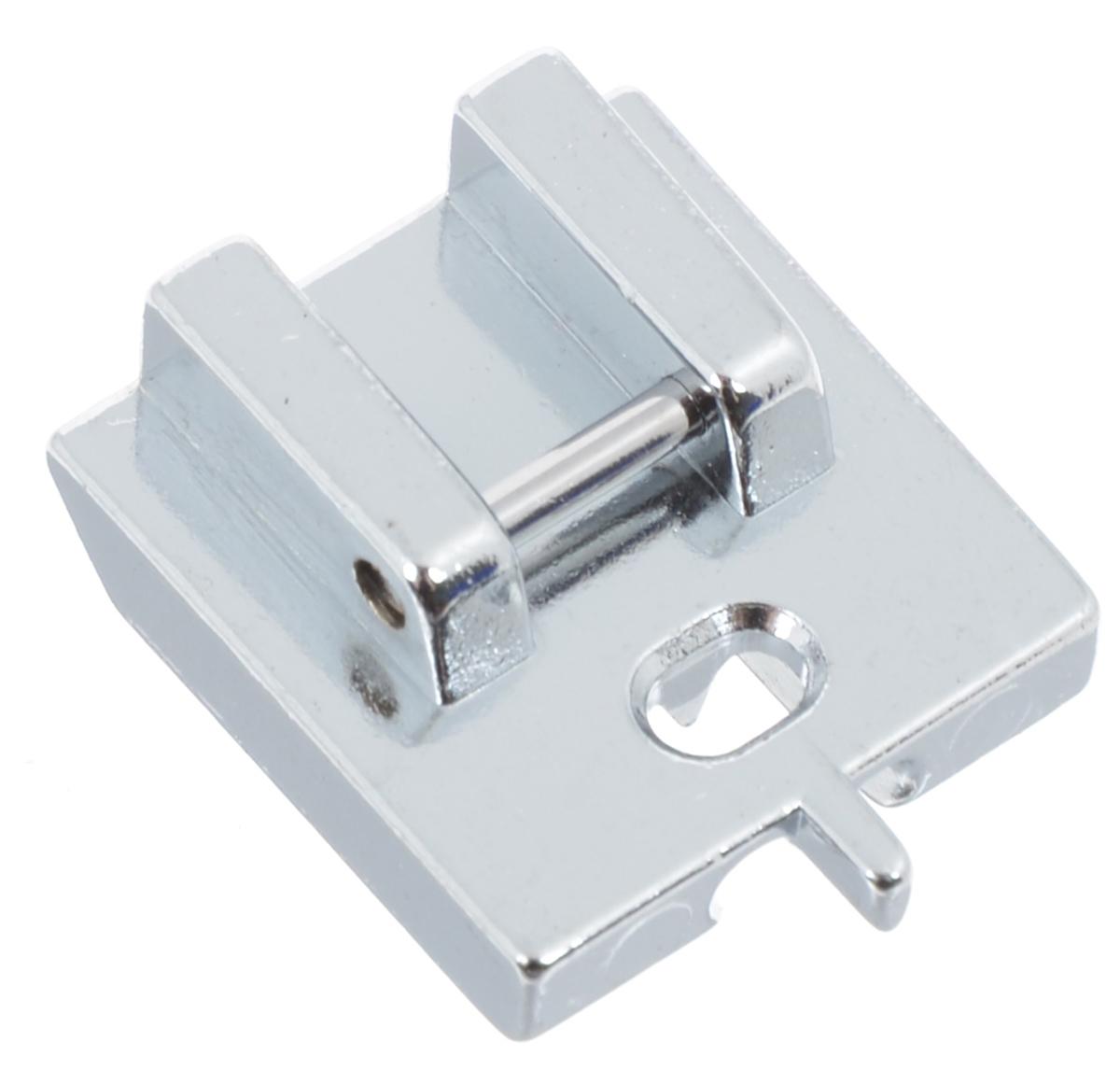 Лапка для швейной машины Aurora, для потайной молнии, с направляющейAU-155Лапка для швейной машины Aurora используется для вшивания потайной молнии. Направитель в передней части лапки помогает надежно зафиксировать молнию, предотвращает смещение зубцов в процессе пришивания застежки-молнии. Лапка подходит для большинства современных бытовых швейных машин. Инструкция по использованию прилагается.