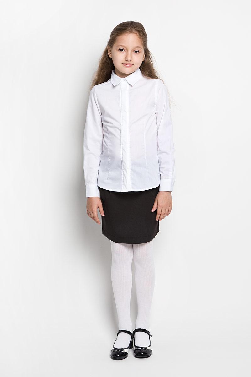 Блузка для девочки Orby School, цвет: белый. 64209_OLG, вариант 1. Размер 122, 7-8 лет64209_OLGЭлегантная блузка для девочки Orby School идеально подойдет для школы. Изготовленная из полиэстера с добавлением хлопка, она необычайно мягкая, легкая и приятная на ощупь, не сковывает движения и позволяет коже дышать, не раздражает даже самую нежную и чувствительную кожу ребенка, обеспечивая наибольший комфорт.Блузка приталенного силуэта с отложным воротником и длинными рукавами застегивается на пуговицы скрытые под планкой. Рукава дополнены неширокими манжетами на пуговицах. Такая блузка - незаменимая вещь для школьной формы, отлично сочетается с юбками, брюками и сарафанами. Эта модель всегда выглядит великолепно!