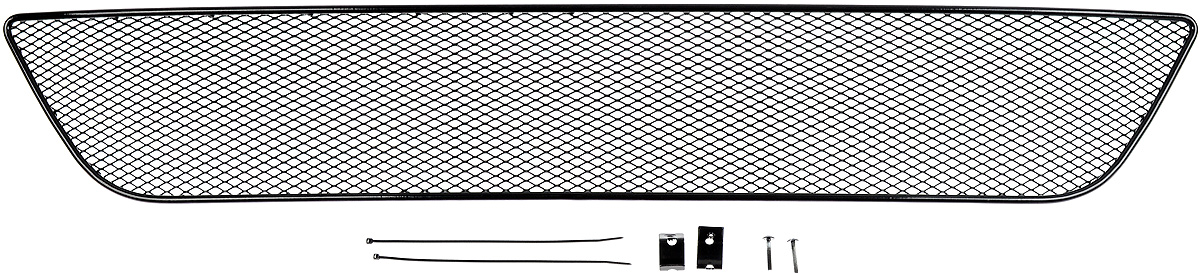 Сетка для защиты радиатора Novline-Autofamily, внешняя, для Mitsubishi Pajero Sport (2014-)01-380514-15BСетка для защиты радиатора Novline-Autofamily изготовлена из антикоррозионного материала, что гарантирует отсутствие ржавчины в процессе эксплуатации. Изделие устанавливается на штатную решетку переднего бампера автомобиля, защищая таким образом радиатор от попадания камней, крупных насекомых, мелких птиц. Простая установка делает это изделие необыкновенно удобным. В отличие от универсальных сеток, для установки которых требуется снятие бампера, то есть наличие специализированных навыков и дополнительного оборудования (подъемник и так далее), для установки этой сетки понадобится 20 минут времени и отвертка. Данный продукт разработан индивидуально под каждый бампер автомобиля. Внешняя защитная сетка радиатора полностью повторяет геометрию решетки бампера и гармонично вписывается в общий стиль автомобиля.