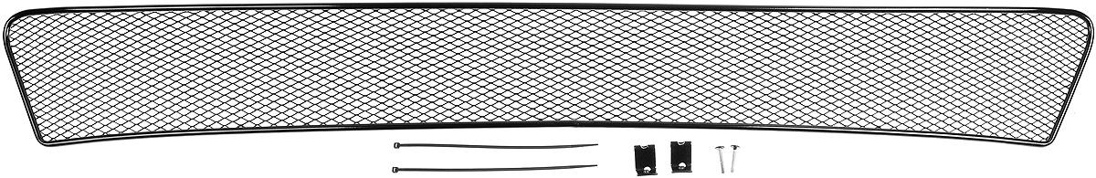Сетка для защиты радиатора Novline-Autofamily, внешняя, для Toyota Corolla (2013-)01-520313-151Сетка для защиты радиатора Novline-Autofamily изготовлена из антикоррозионного материала, что гарантирует отсутствие ржавчины в процессе эксплуатации. Изделие устанавливается на штатную решетку переднего бампера автомобиля, защищая таким образом радиатор от попадания камней, крупных насекомых, мелких птиц. Простая установка делает это изделие необыкновенно удобным. В отличие от универсальных сеток, для установки которых требуется снятие бампера, то есть наличие специализированных навыков и дополнительного оборудования (подъемник и так далее), для установки этой сетки понадобится 20 минут времени и отвертка. Данный продукт разработан индивидуально под каждый бампер автомобиля. Внешняя защитная сетка радиатора полностью повторяет геометрию решетки бампера и гармонично вписывается в общий стиль автомобиля.
