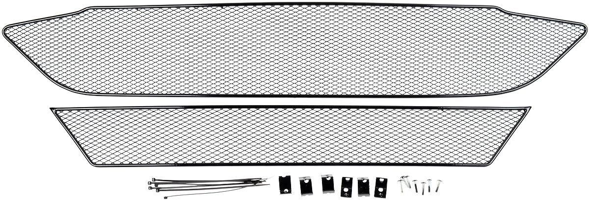 Сетка для защиты радиатора Novline-Autofamily, внешняя, для Ford Tourneo Custom (2014-) без переднего парктроника, 2 шт01-171014-151Сетка для защиты радиатора Novline-Autofamily изготовлена из антикоррозионного материала, что гарантирует отсутствие ржавчины в процессе эксплуатации. Изделие устанавливается на штатную решетку переднего бампера автомобиля, защищая таким образом радиатор от попадания камней, крупных насекомых, мелких птиц. Простая установка делает это изделие необыкновенно удобным. В отличие от универсальных сеток, для установки которых требуется снятие бампера, то есть наличие специализированных навыков и дополнительного оборудования (подъемник и так далее), для установки этой сетки понадобится 20 минут времени и отвертка. Данный продукт разработан индивидуально под каждый бампер автомобиля. Внешняя защитная сетка радиатора полностью повторяет геометрию решетки бампера и гармонично вписывается в общий стиль автомобиля.