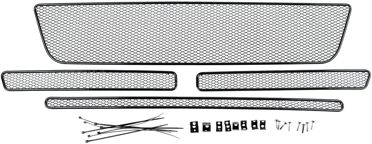 Сетка для защиты радиатора Novline-Autofamily, внешняя, для Ford Explorer (2015-) с камерой, 4 шт01-171515-151Сетка для защиты радиатора Novline-Autofamily изготовлена из антикоррозионного материала, что гарантирует отсутствие ржавчины в процессе эксплуатации. Изделие устанавливается на штатную решетку переднего бампера автомобиля, защищая таким образом радиатор от попадания камней, крупных насекомых, мелких птиц. Простая установка делает это изделие необыкновенно удобным. В отличие от универсальных сеток, для установки которых требуется снятие бампера, то есть наличие специализированных навыков и дополнительного оборудования (подъемник и так далее), для установки этой сетки понадобится 20 минут времени и отвертка. Данный продукт разработан индивидуально под каждый бампер автомобиля. Внешняя защитная сетка радиатора полностью повторяет геометрию решетки бампера и гармонично вписывается в общий стиль автомобиля.