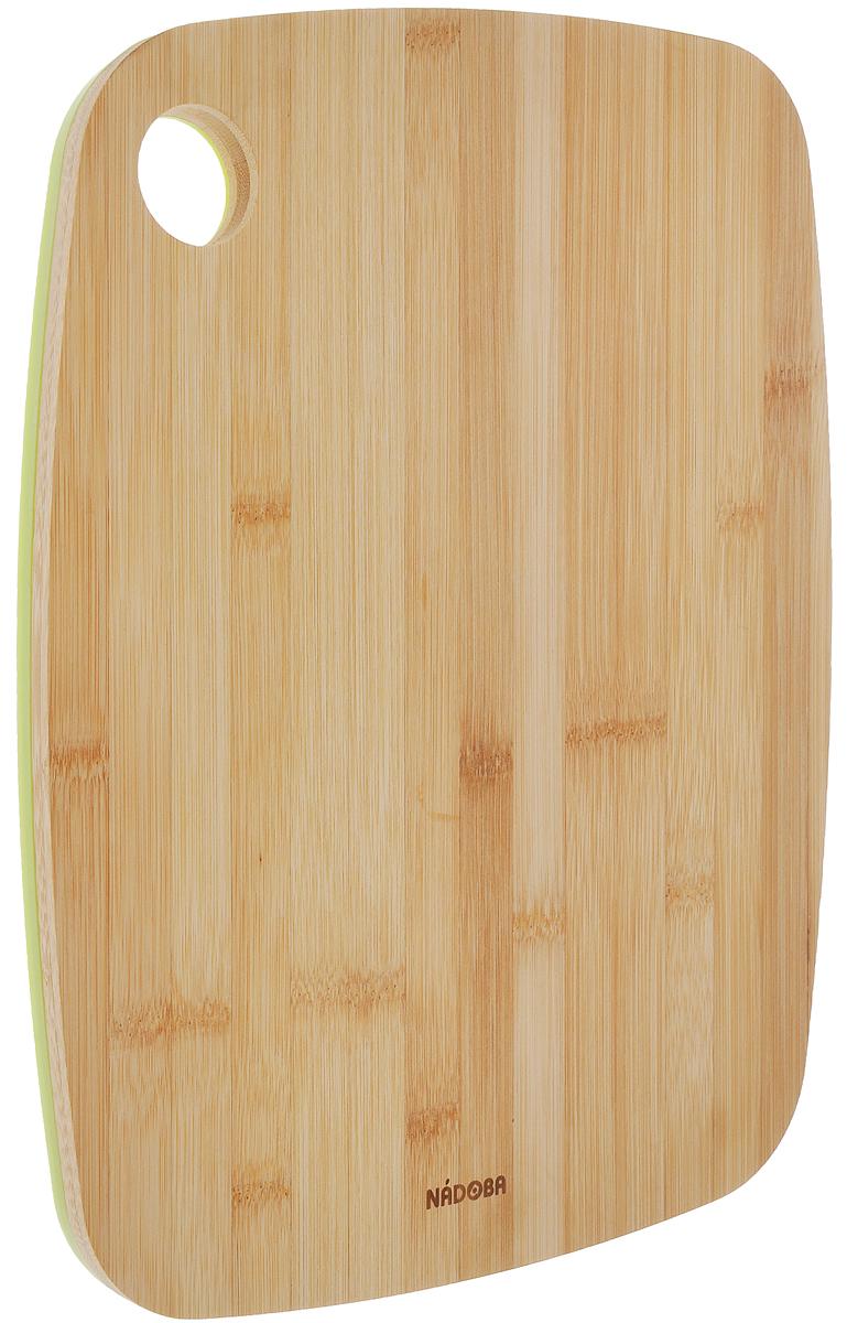 Доска разделочная Nadoba Slavia, двухсторонняя, 33 х 25 см721911Двухсторонняя разделочная доска Bohmann Slavia, изготовленная из бамбука и пищевого пластика. Бамбуковая сторона идеально подходит для резки или рубки мяса и рыбы. Благодаря твердости бамбука и красоте структуры его древесины из него часто делают кухонные разделочные доски, которые также могут быть подставками под горячие кастрюли. Разделочные доски делают из прессованных бамбуковых плит, их поверхность твердая и гладкая, кроме того, они обладают хорошими водоотталкивающими и антибактериальными свойствами. Пластиковая сторона выполнена из специального антибактериального покрытия, абсолютно гигиенична, не впитывает запахи от нарезаемых на ней продуктов, прекрасно подходит для овощей и фруктов. Такая доска понравится любой хозяйке и будет отличным помощником на кухне. Не рекомендуется мыть в посудомоечной машине.