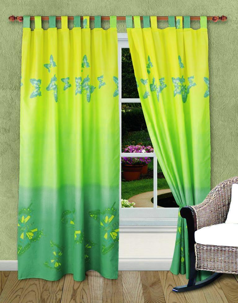 """Роскошный комплект штор """"Мгновение"""", выполненный из микрофибры, великолепно украсит любое окно. Комплект состоит из двух штор. Шторы выполнены из непрозрачной ткани средней плотности и декорированы изящным рисунком в виде бабочек. Цветовая гамма штор плавно переходит от зеленого в нижней части к салатовому в верхней части.  Оригинальный дизайн и нежная цветовая гамма привлекут к себе внимание и органично впишутся в интерьер комнаты. Все предметы комплекта - на петлях. Характеристики: Материал: микрофибра (100% полиэстер). Цвет: зеленый, салатовый. Размер упаковки: 30 см х 27 см х 2 см. Артикул: ШП-7-140-220-2. В комплект входят: Штора - 2 шт. Размер (Ш х В): 140 см х 220 см."""